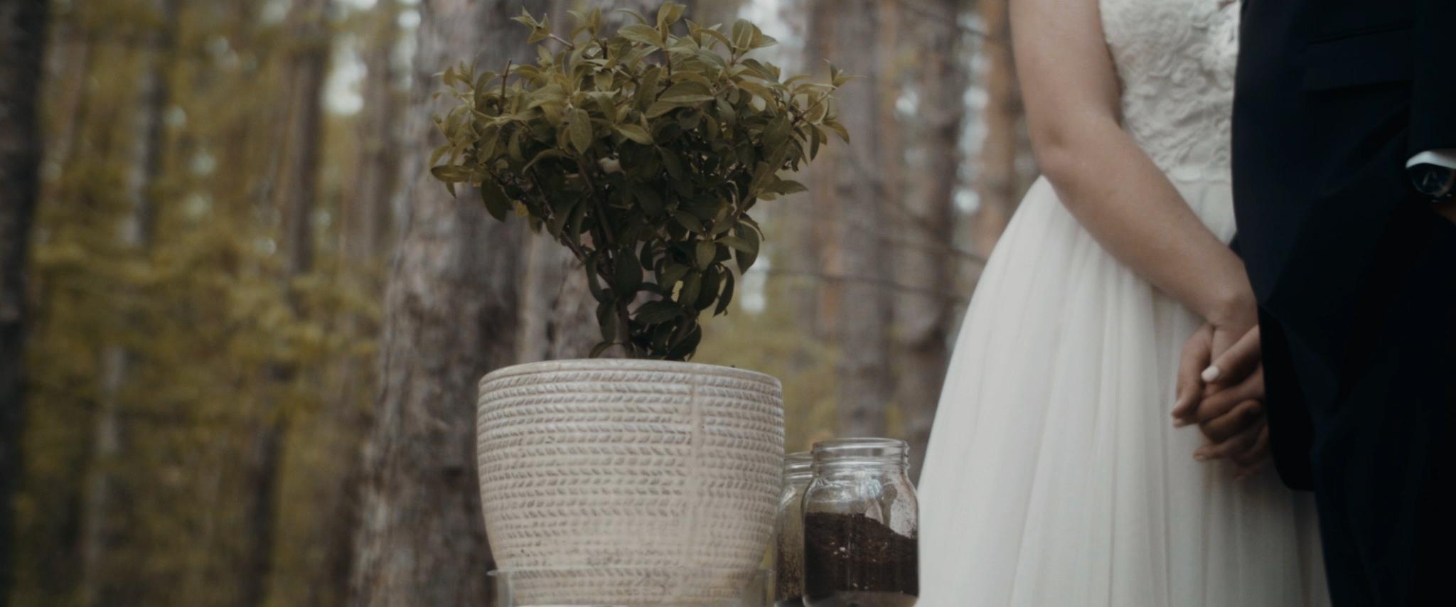 HAVENS_Wedding_Film.00_03_35_02.Still047.jpg