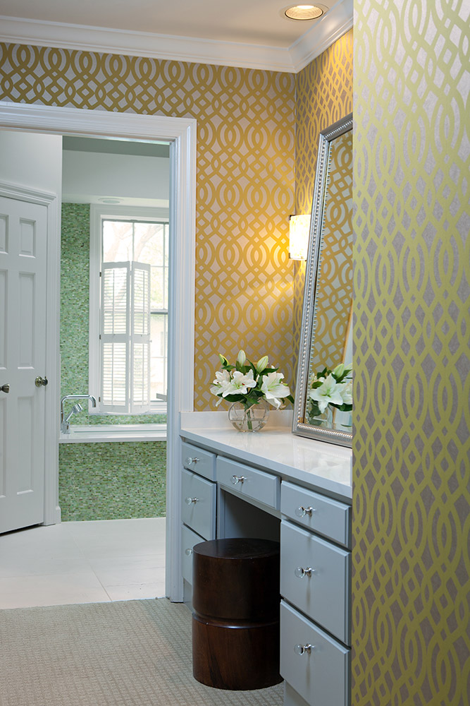 Master dressing area/Wallpaper