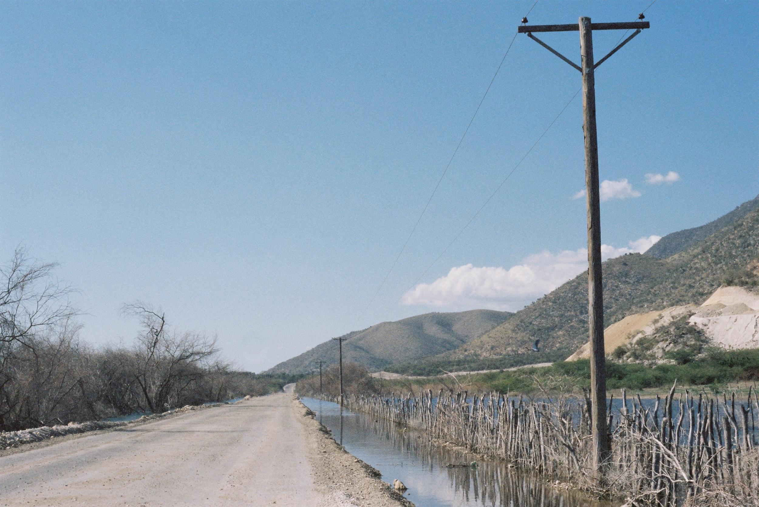 dominican-replublic-lake-enriquillo-2