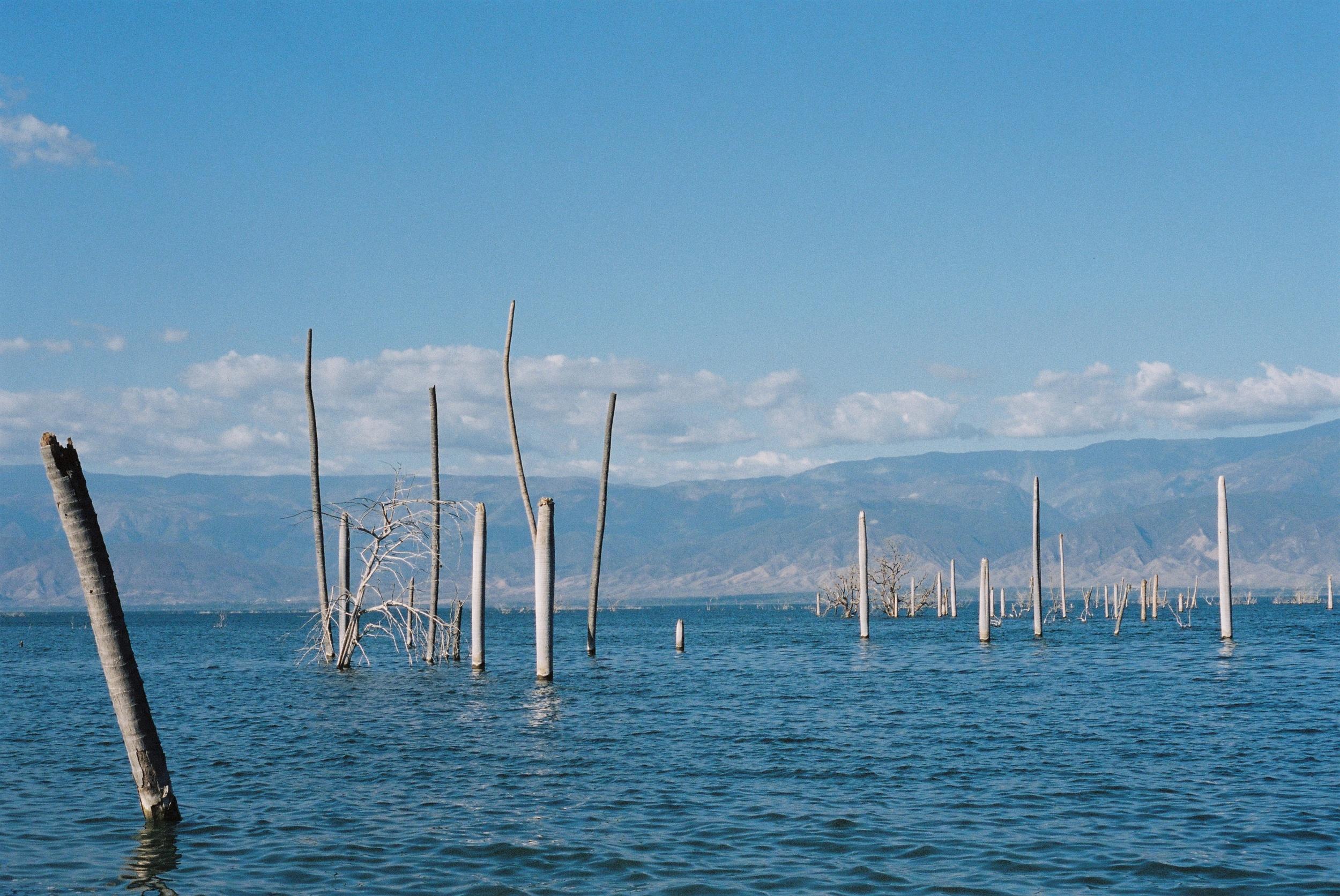 dominican-replublic-lake-enriquillo-5