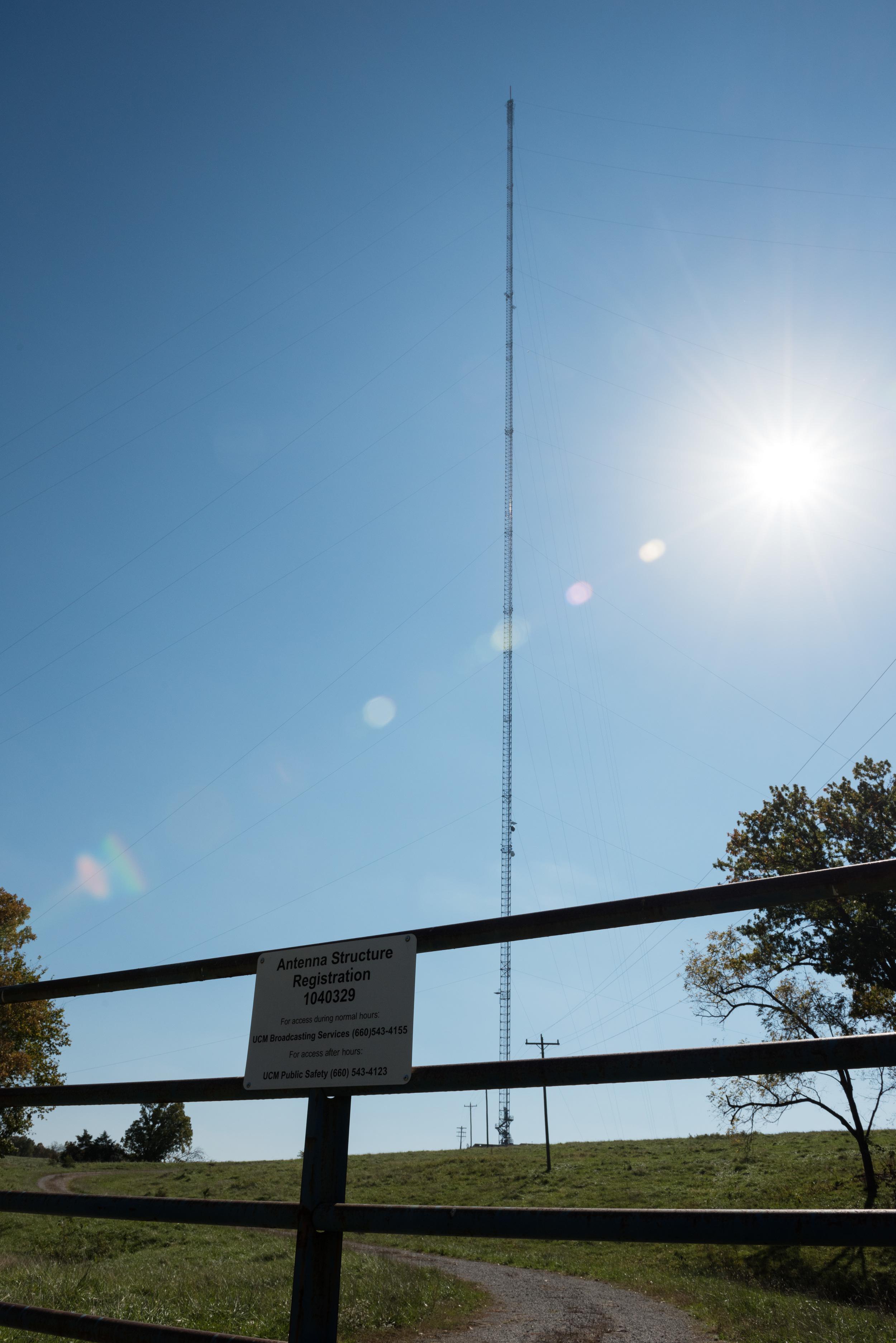 2000-foot-radio-tower-missouri