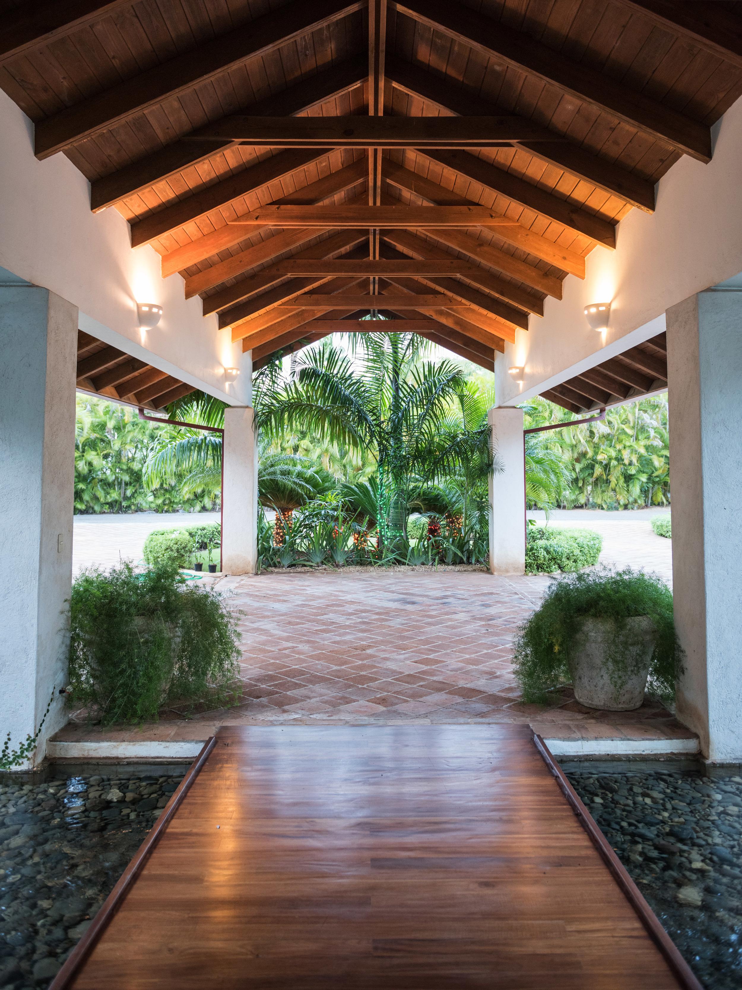 walkway-dr-house
