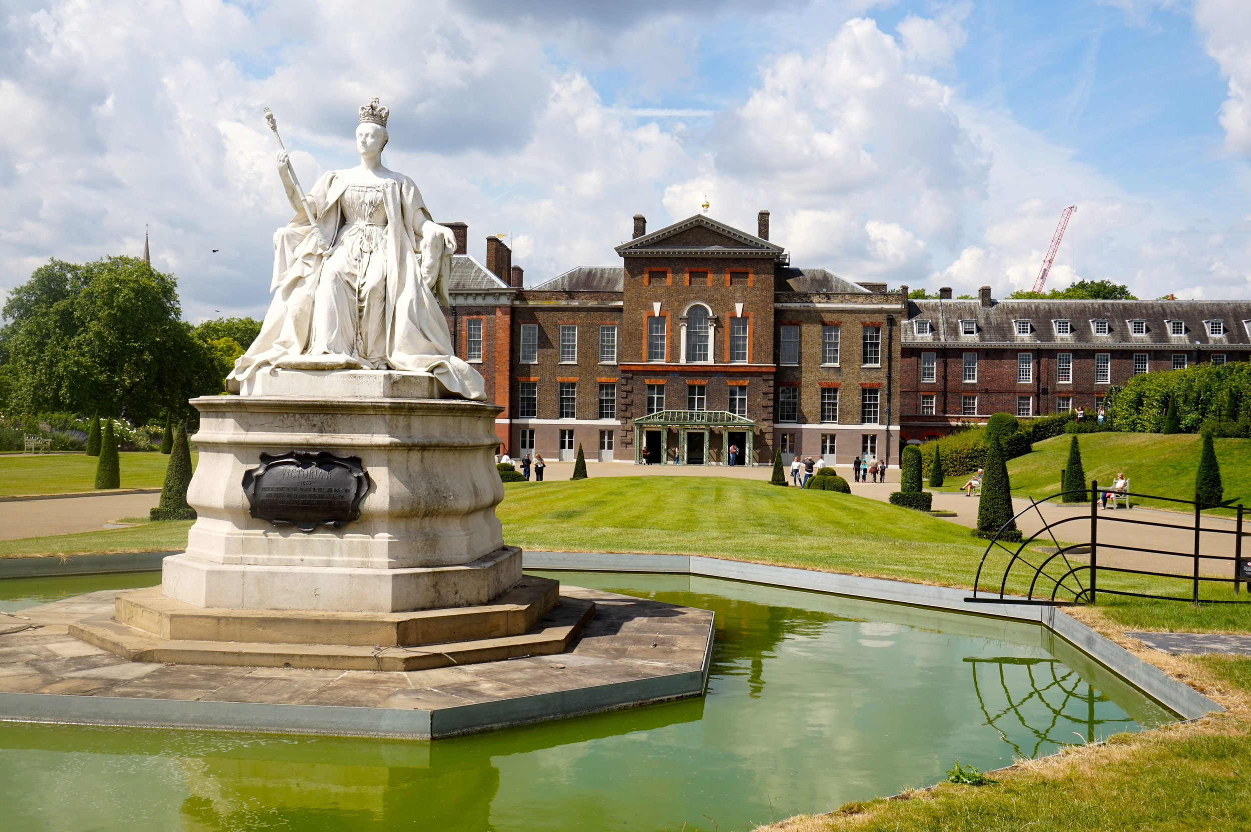 Queen Victoria in front of Kensington Palace