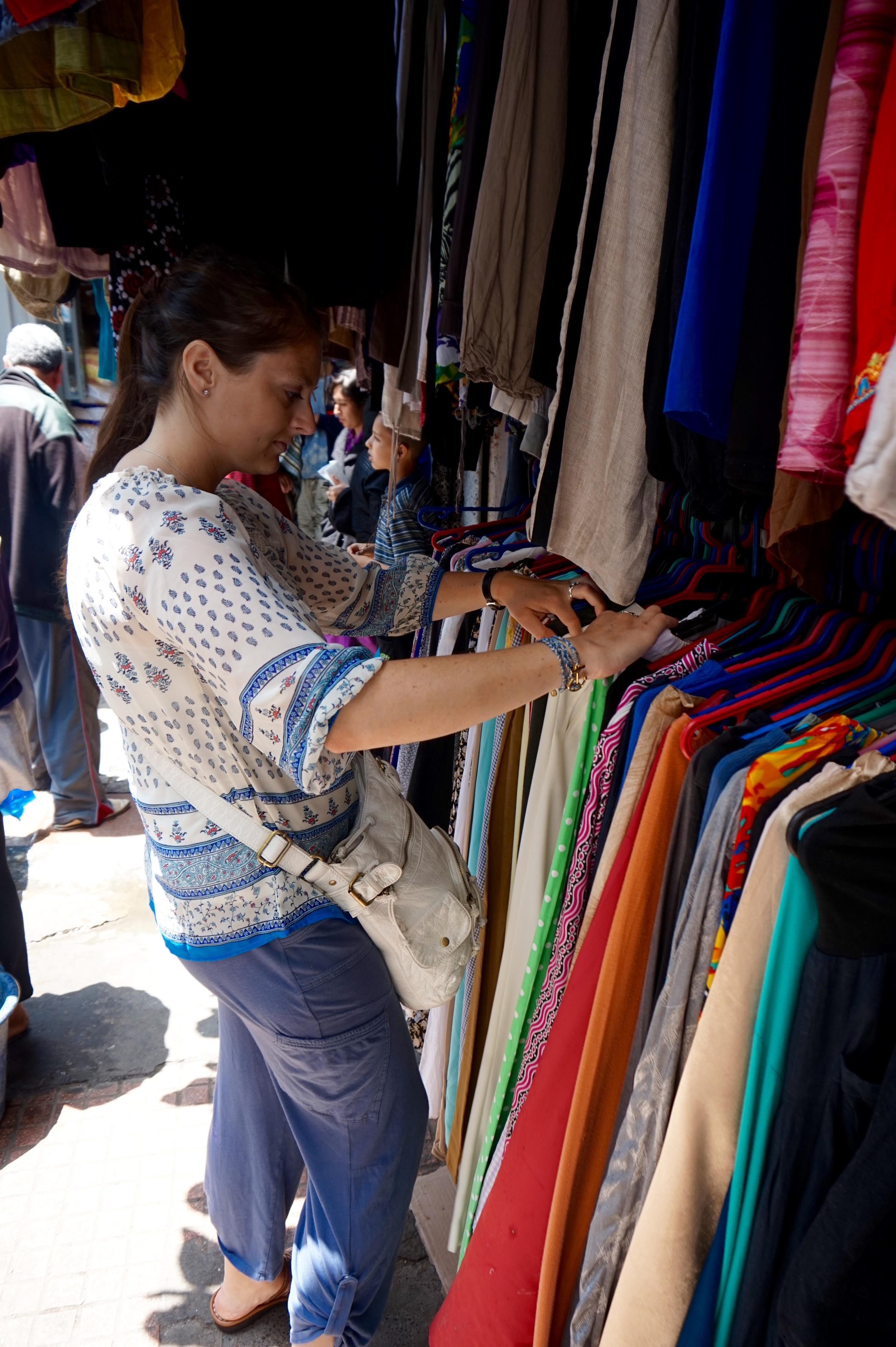 shoppinginsouk.jpg