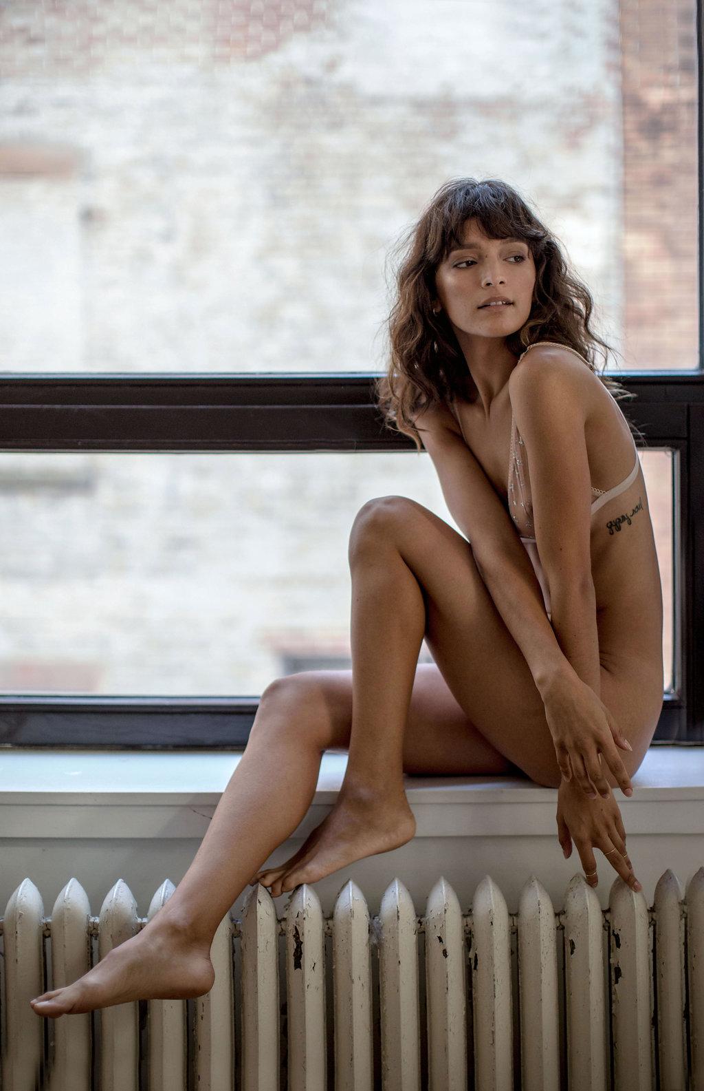 Jen_Senn_Erica_Candice_Playboy_-2009.jpg