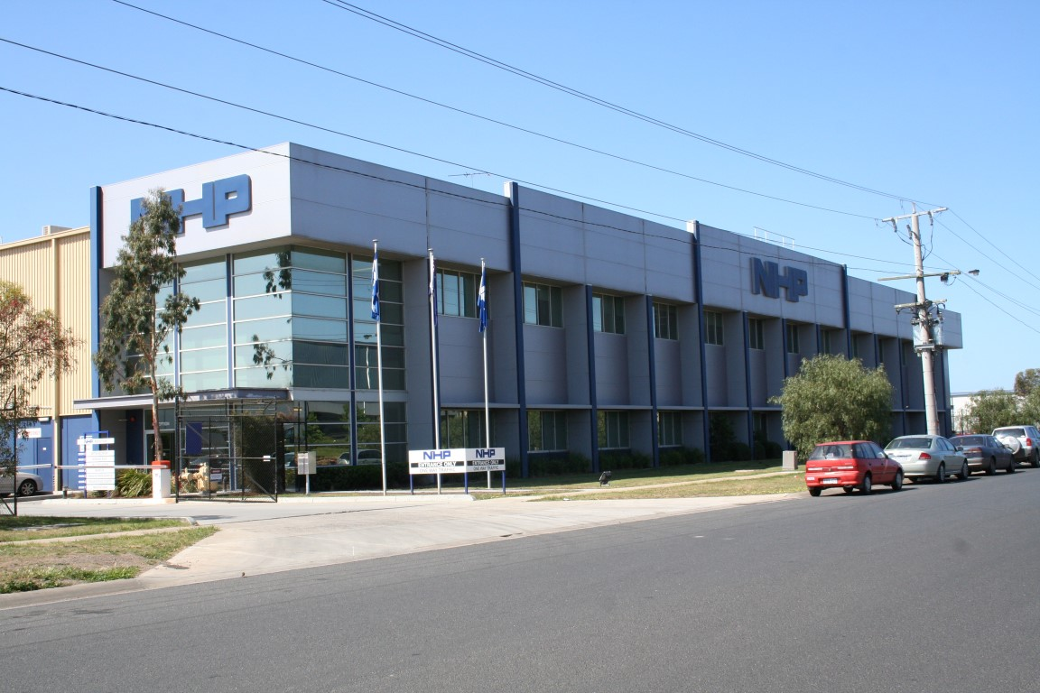 NHP Warehouse & Office  Laverton North, VIC 12,000m2  Client: Vaughan Constructions