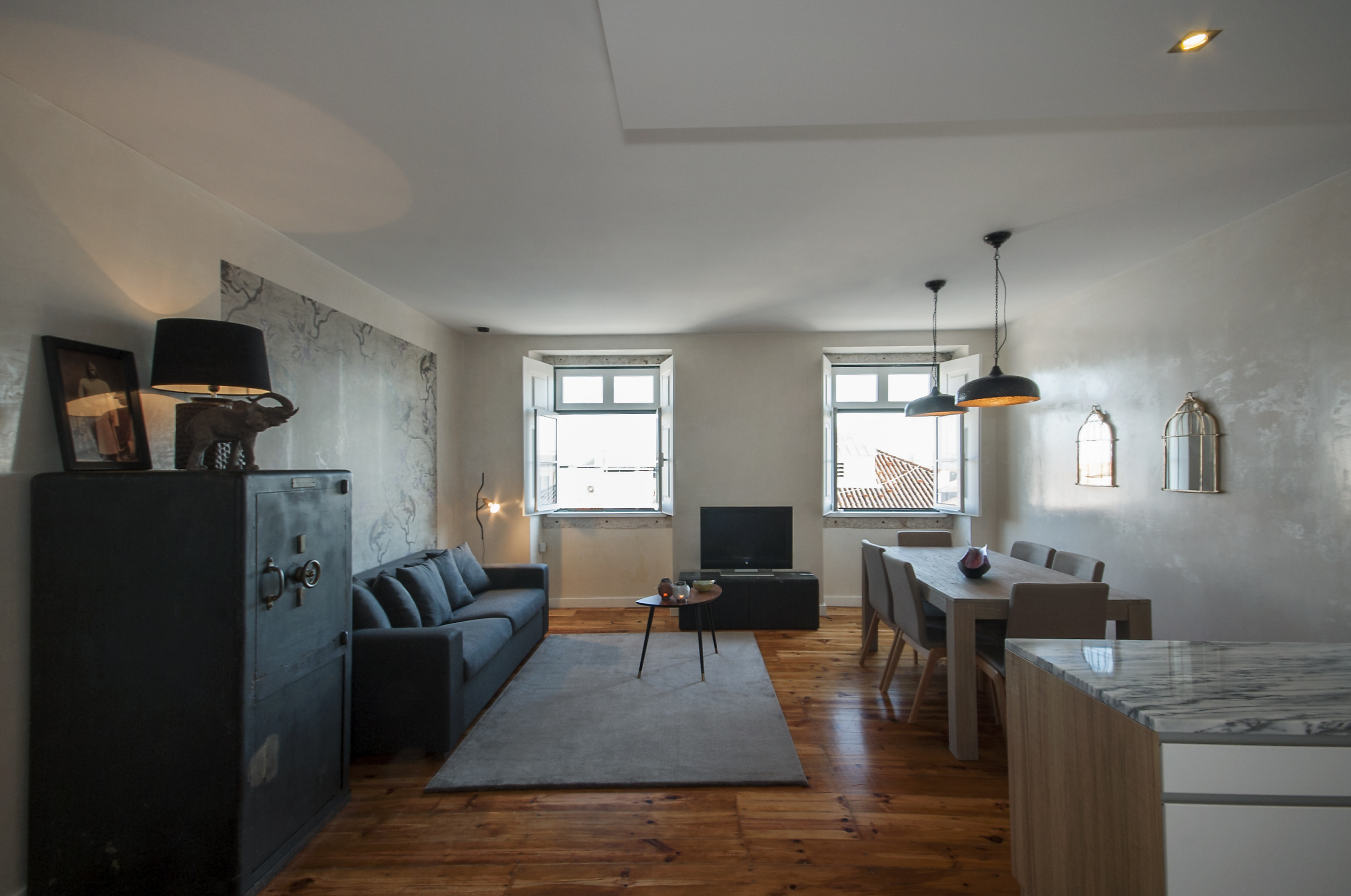 17 Spacious apartment, a modern ambience with historic soul.jpg
