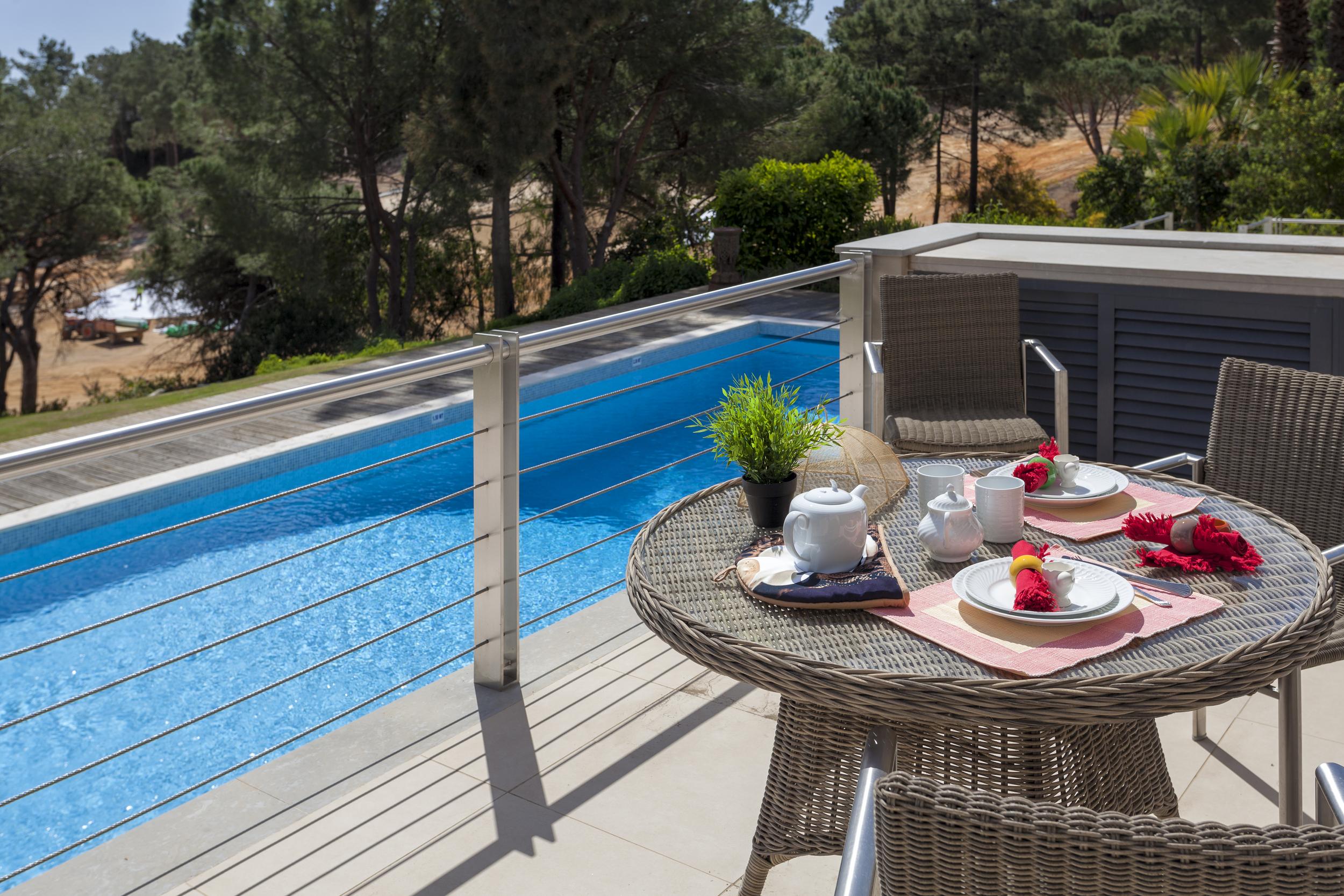4 bedroom villa to rent in Quinta do Lago, RLV, Villa Serpentine, pool 2.jpg