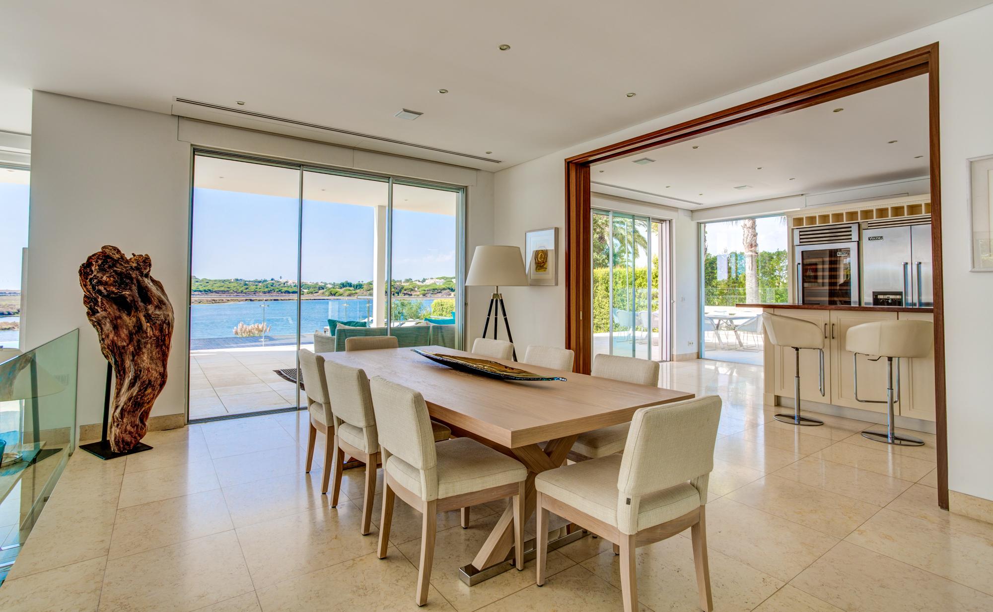 Villa Moon Sone, 5 bedroom prestige villa in Quinta do Lago, Algarve,dining room.jpg