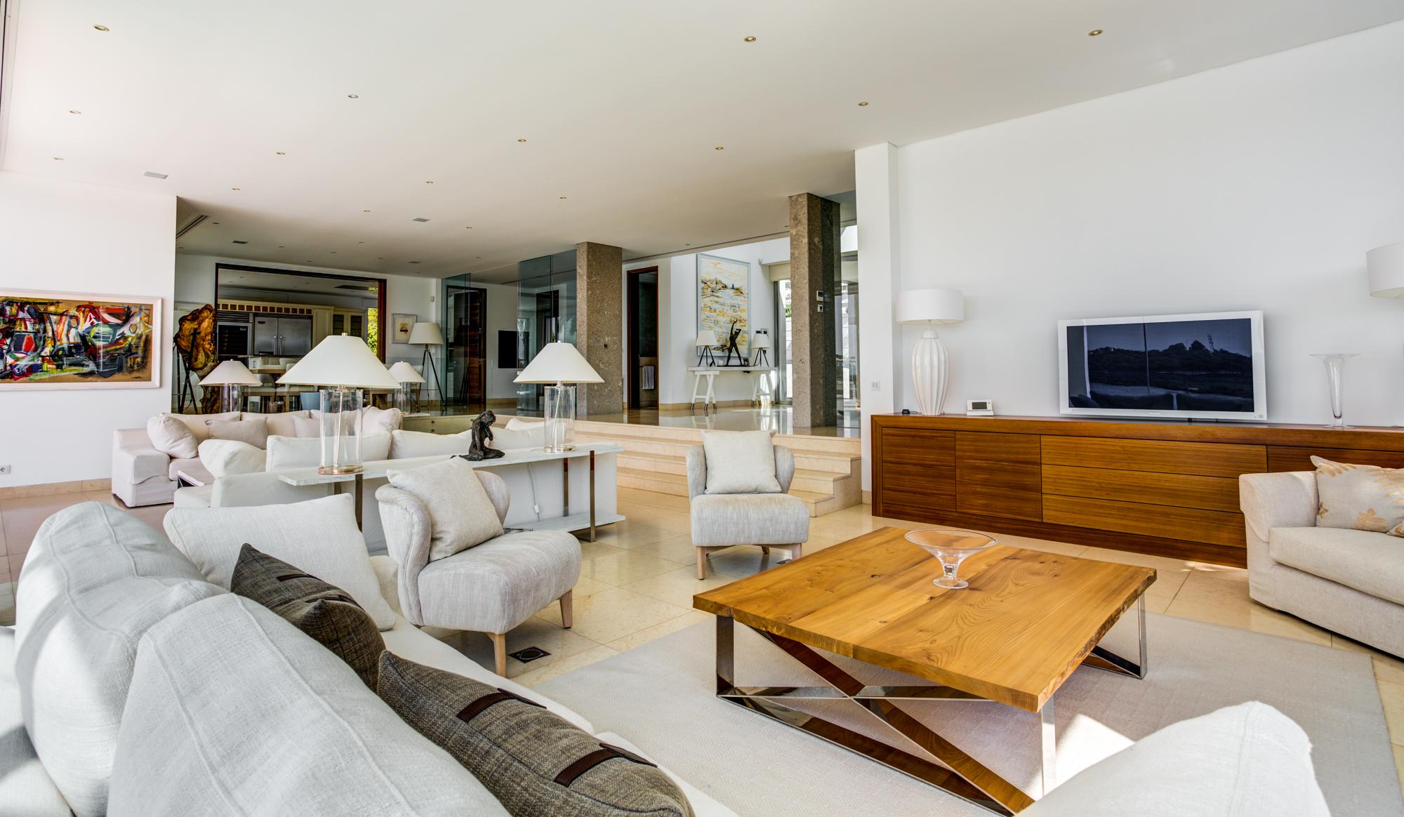 Villa Moon Sone, 5 bedroom prestige villa in Quinta do Lago, Algarve,lounge 2.jpg