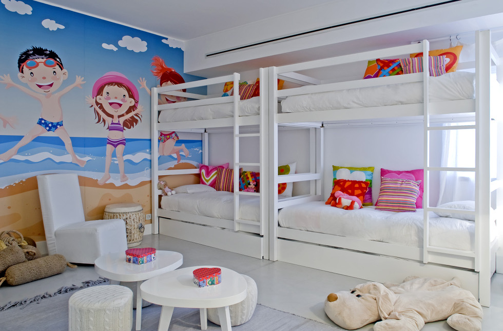 17Girls-room.jpg