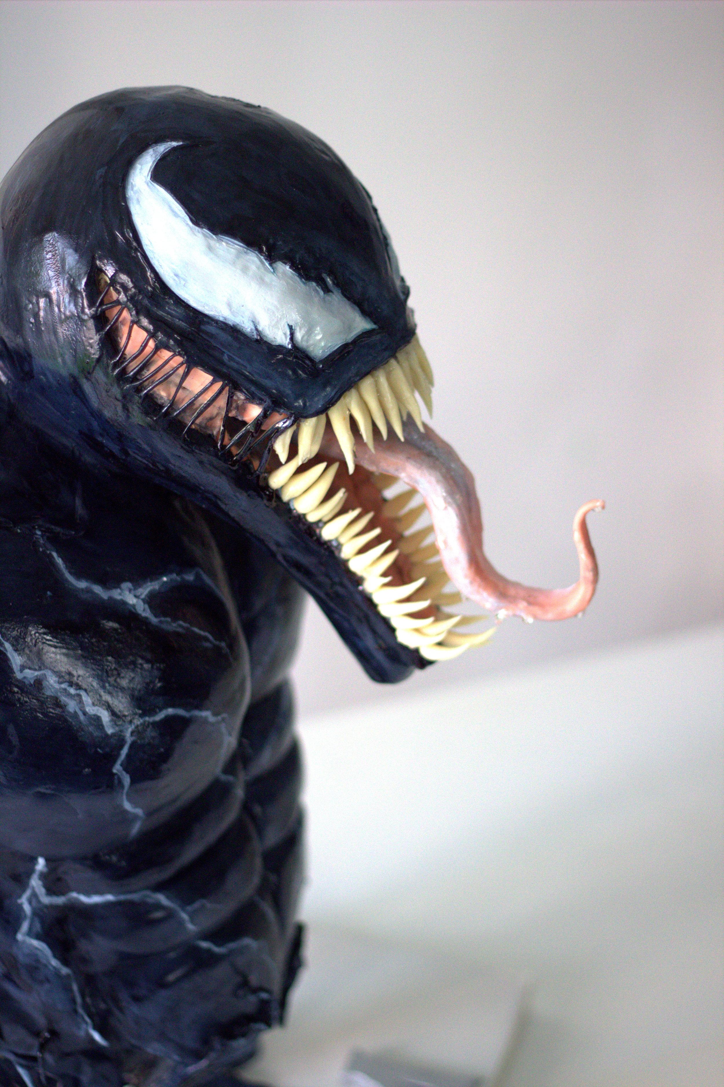 Venom Sony 8.jpg
