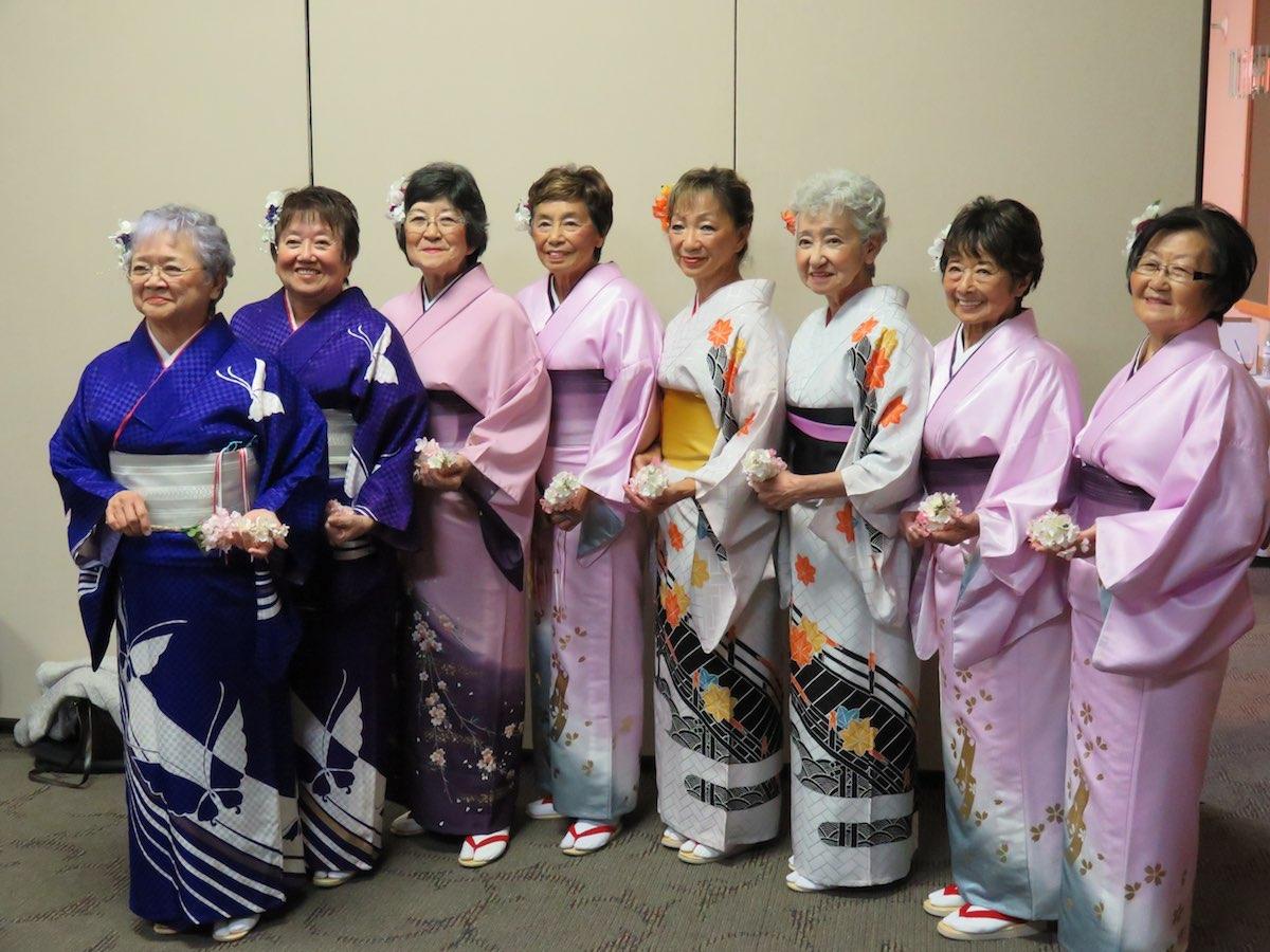 Minyo Japanese Dancers