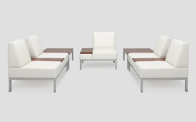 Remington offers versatility and flexibility in design. From a simple bench grouping to a collaborative lounge configuration, Remington suits various environments and accommodates people as they interact.