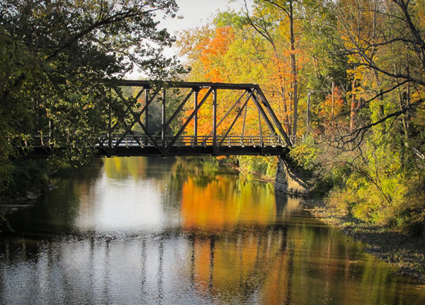 Gates-Mills-Walking-Bridge_sml.jpg