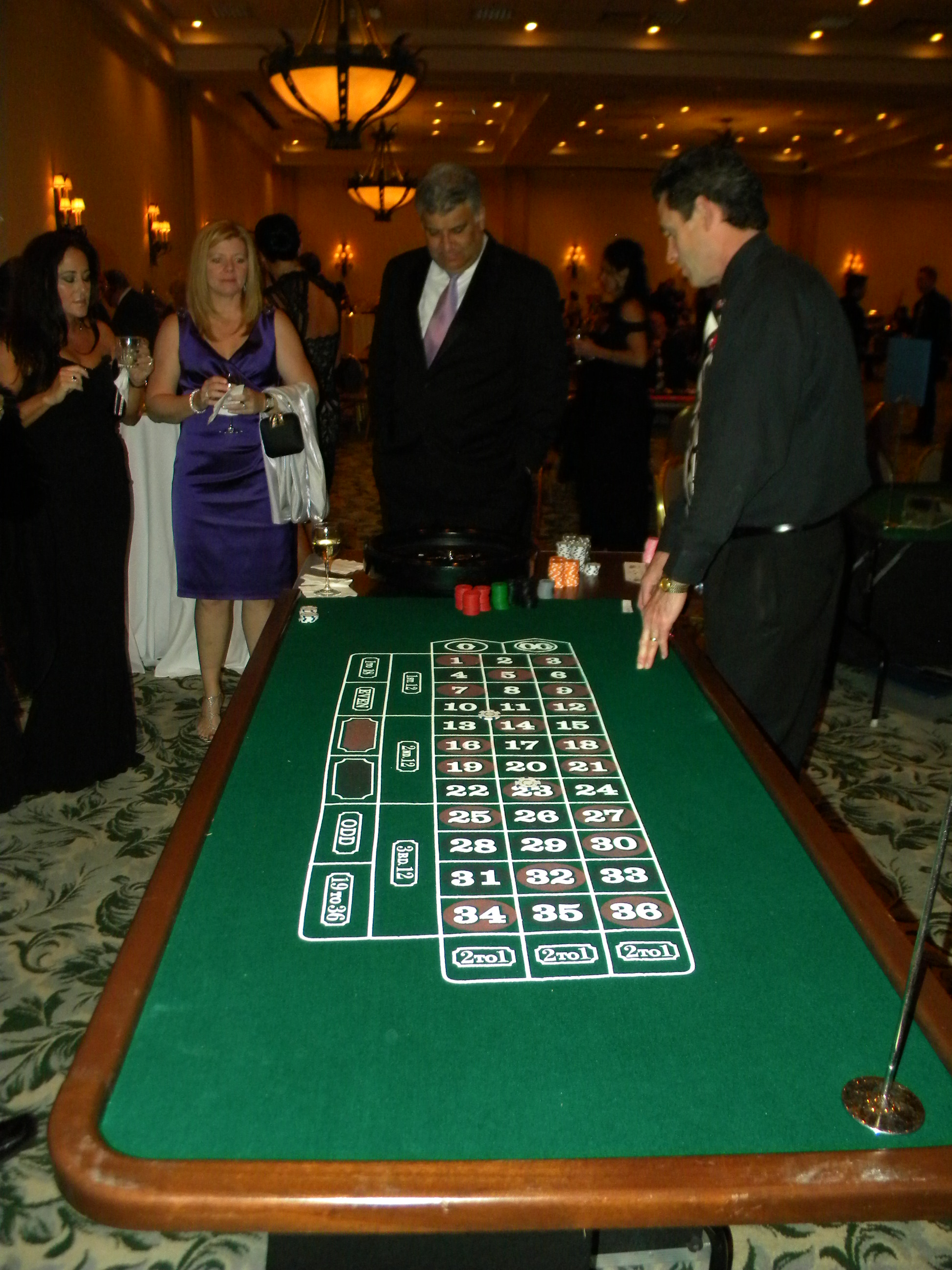 event picture players at Roulette.JPG
