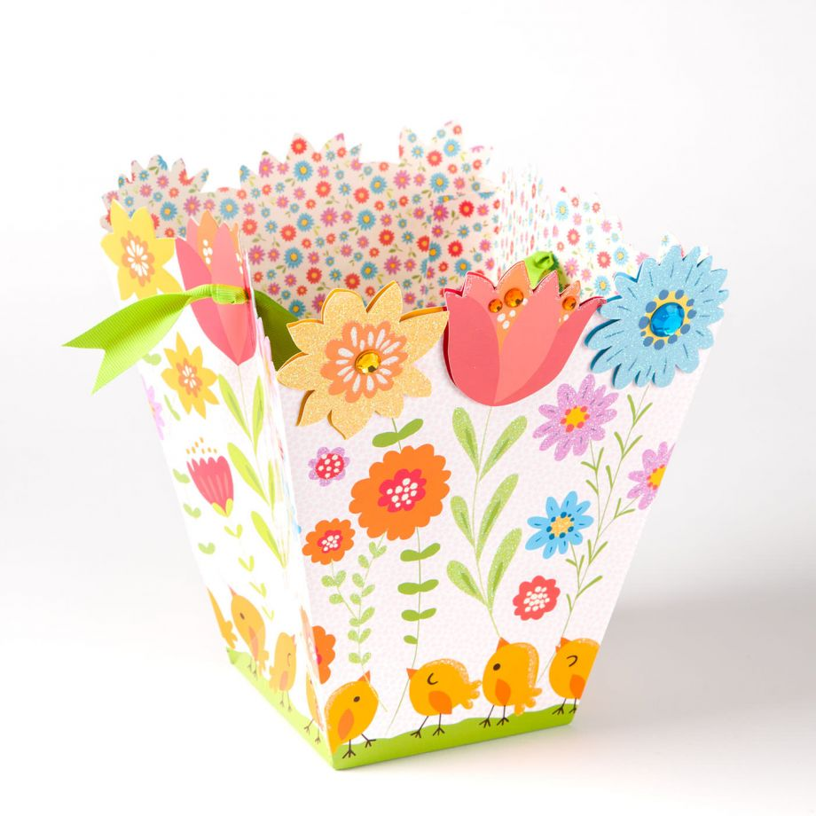 Papyrus Flowers & Chicks Basket Gift Bag - Inga Wilmink Design