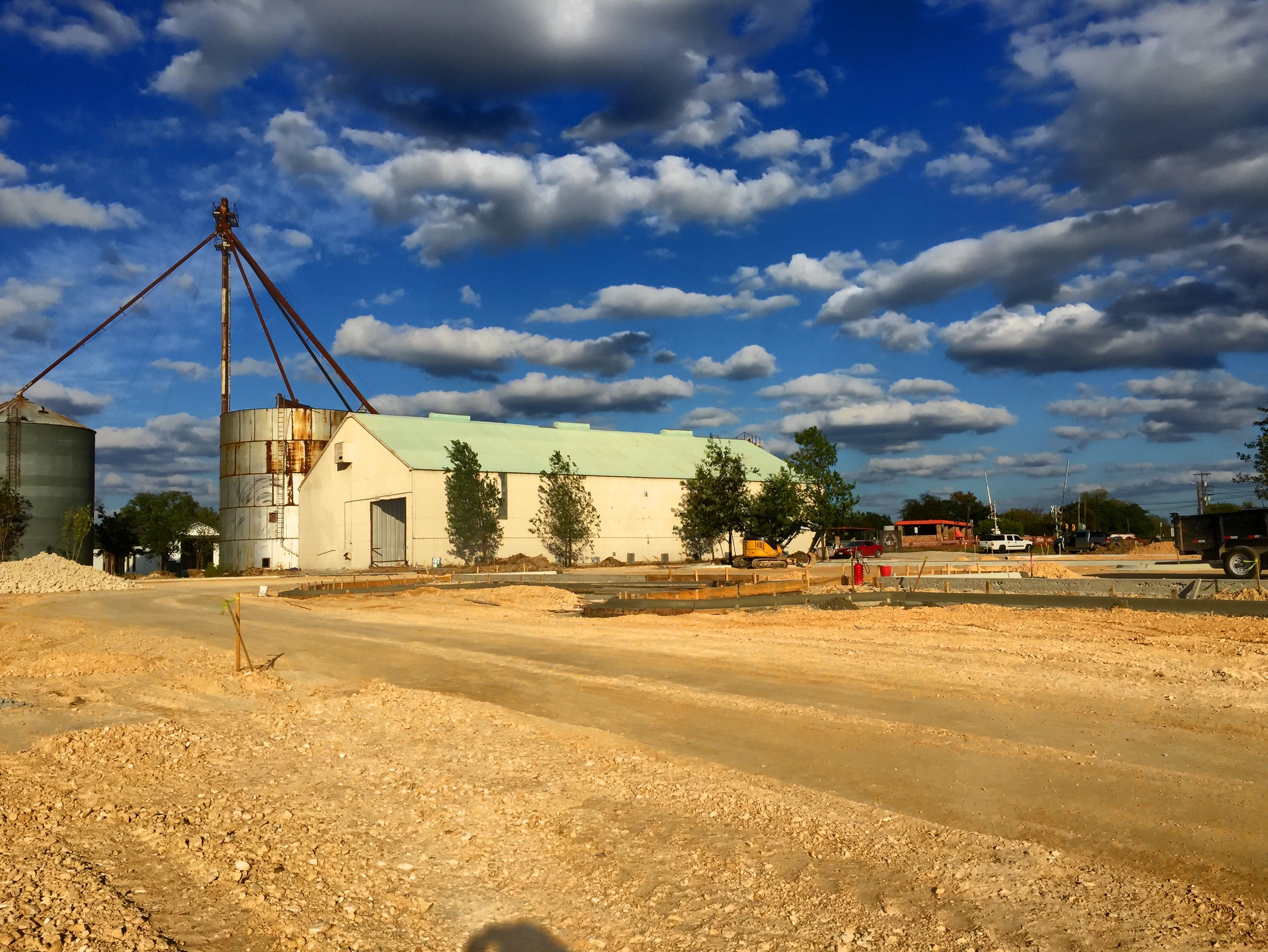Here's a view of Big 'Un from the parking lot during construction.