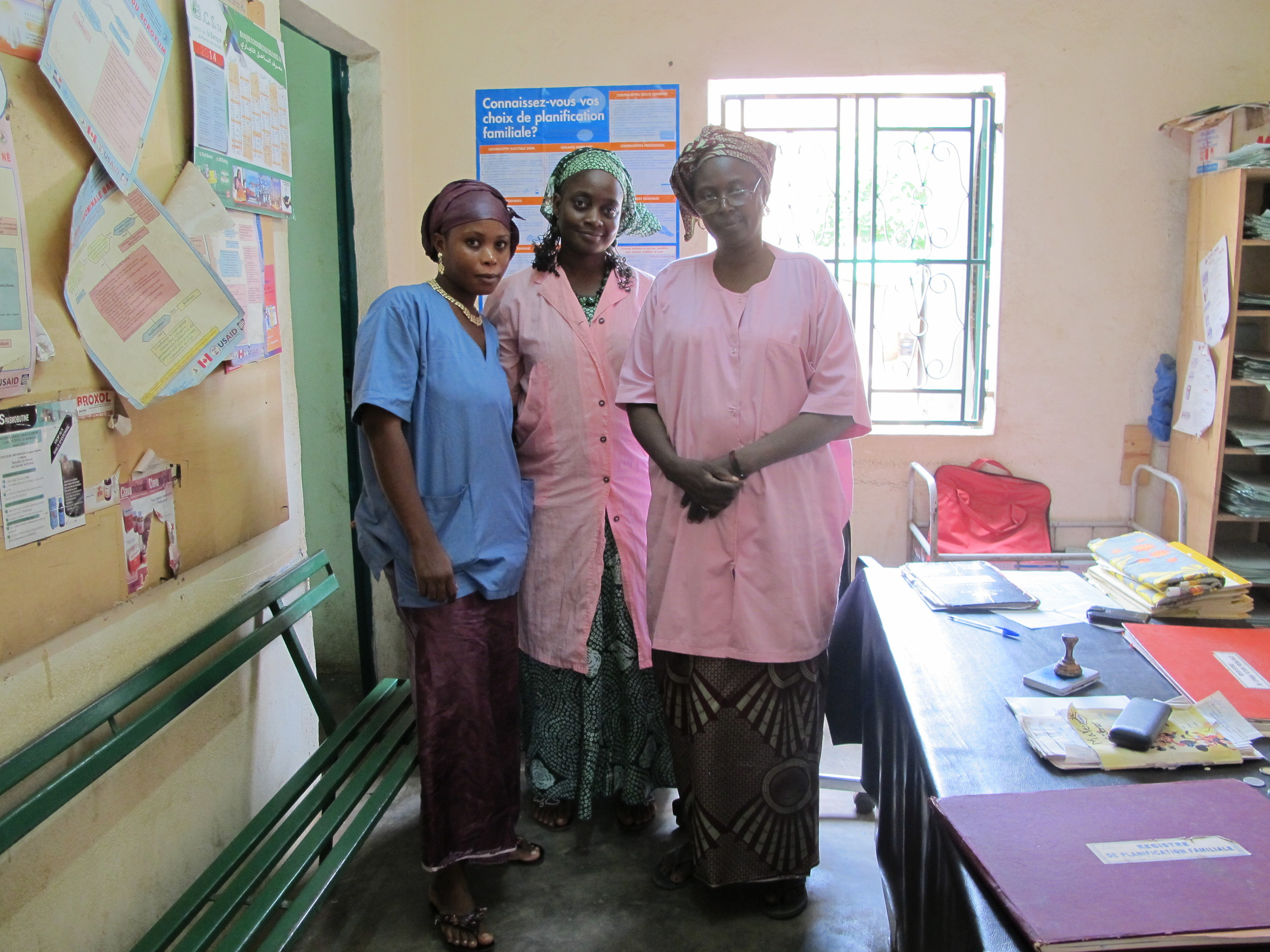 Head midwife, Assetou, with midwives in training