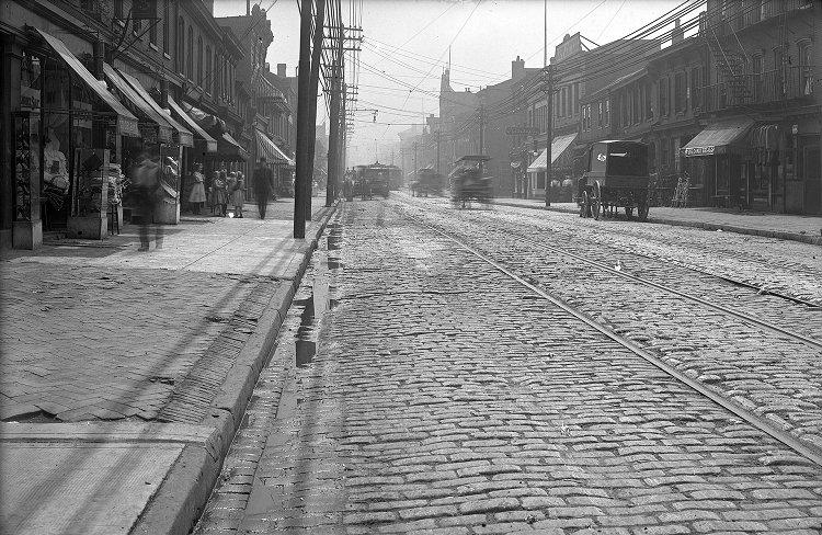 1909 Penn Ave Store Fronts.jpg