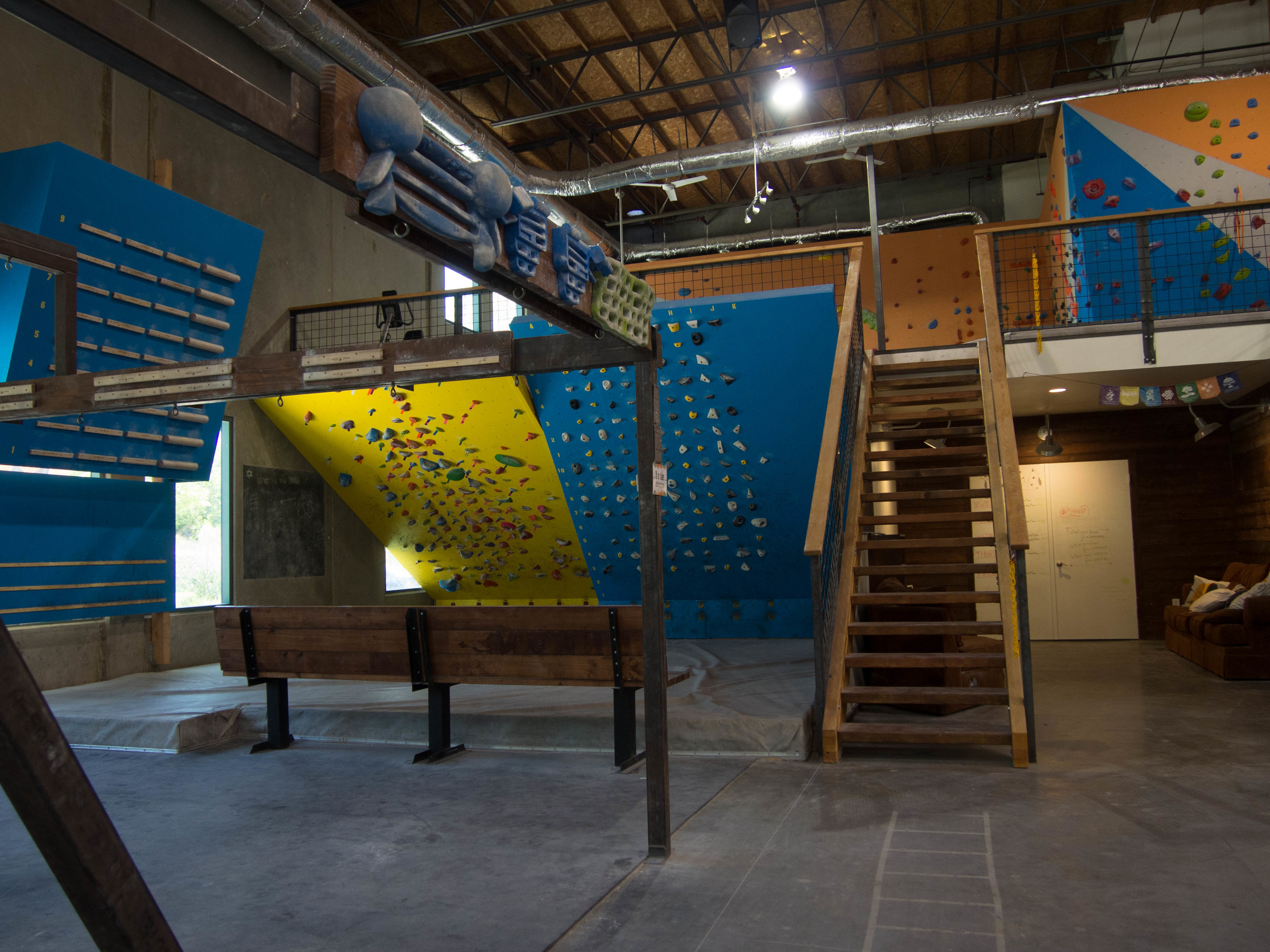 Bouldering – The Wall Climbing Gym