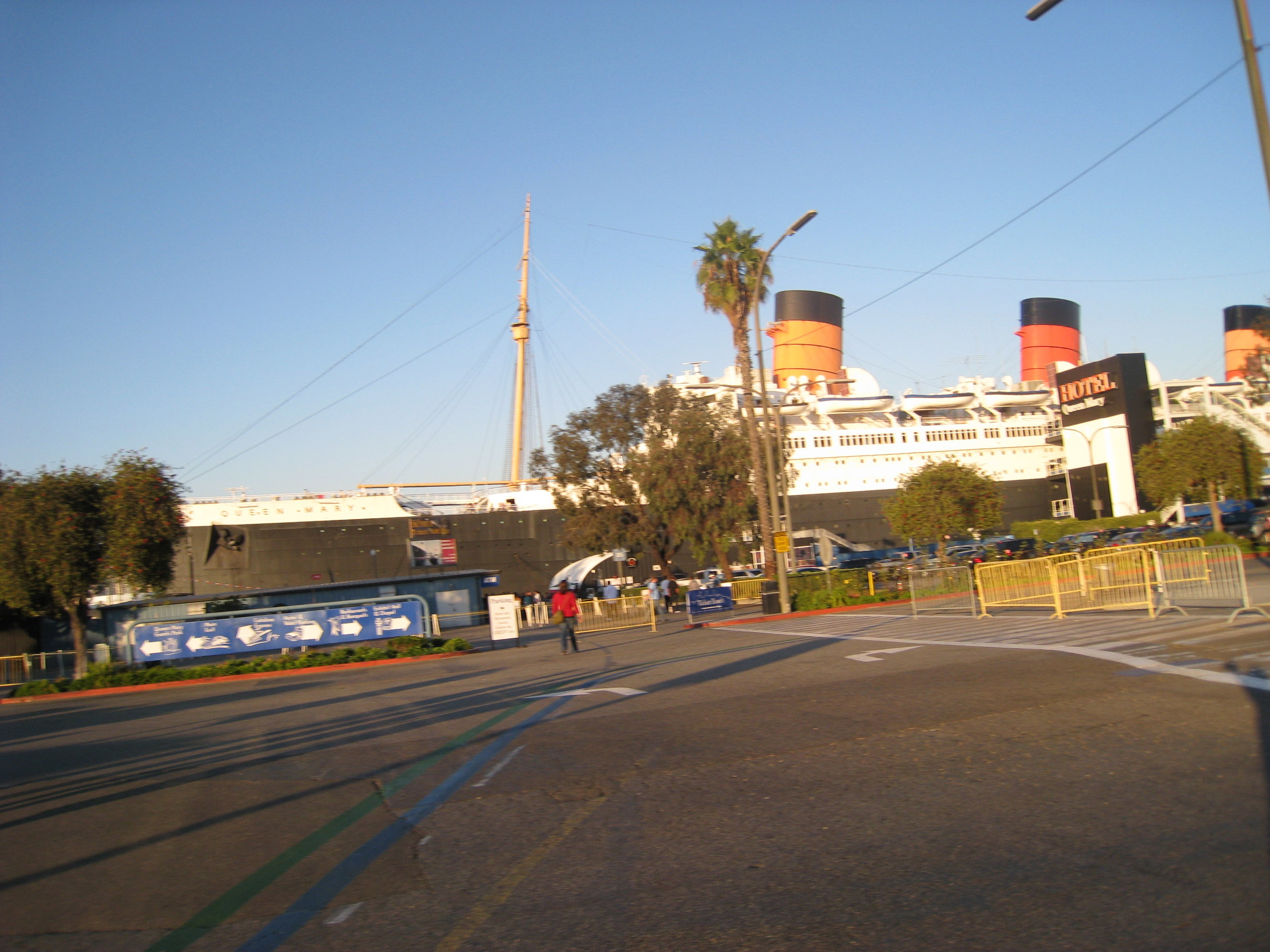 Queen Mary and Furniture 083.jpg