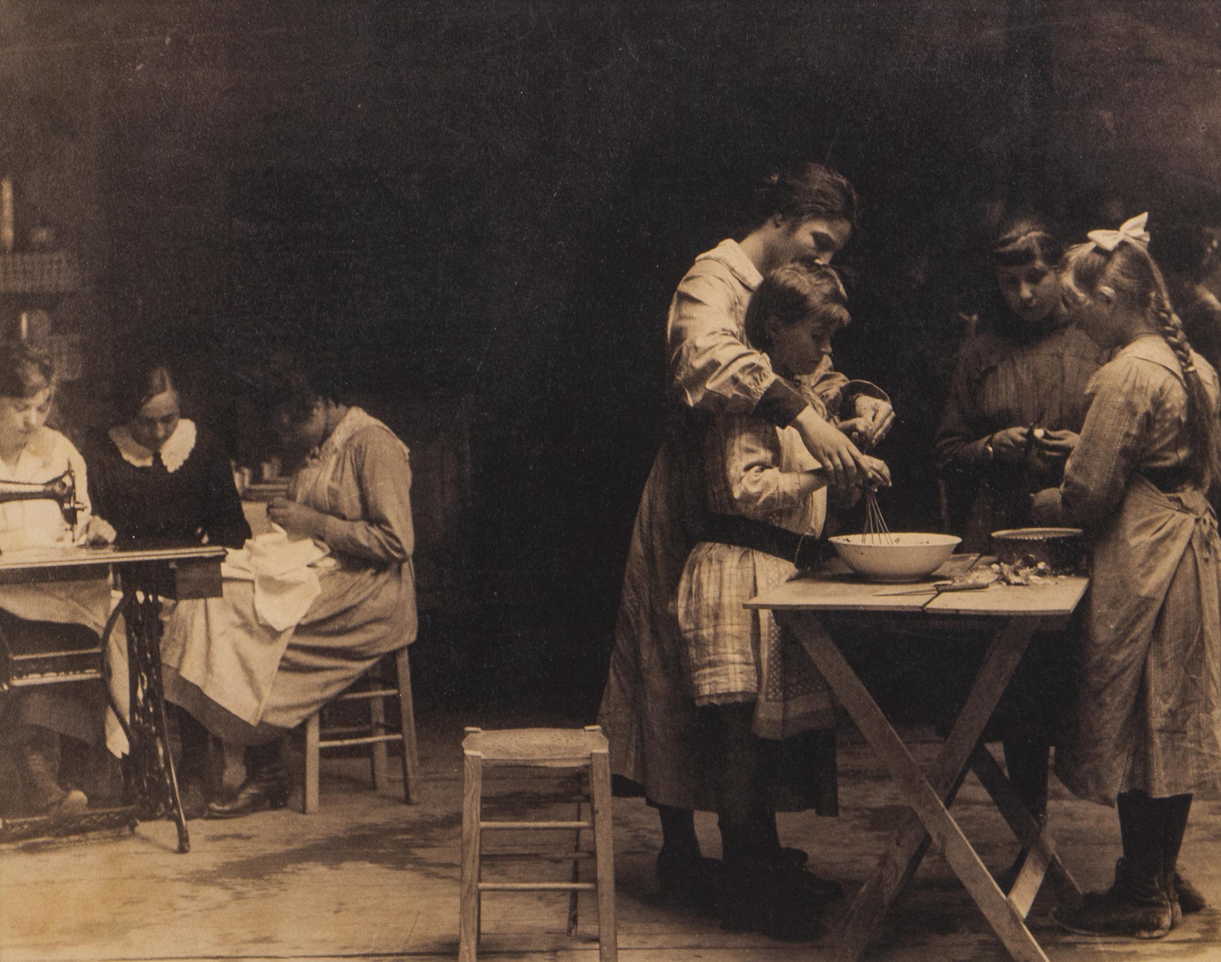 Instruction in domestic science Vic-sur-Aisne, 1919 Franco-American Museum, Château de Blérancourt