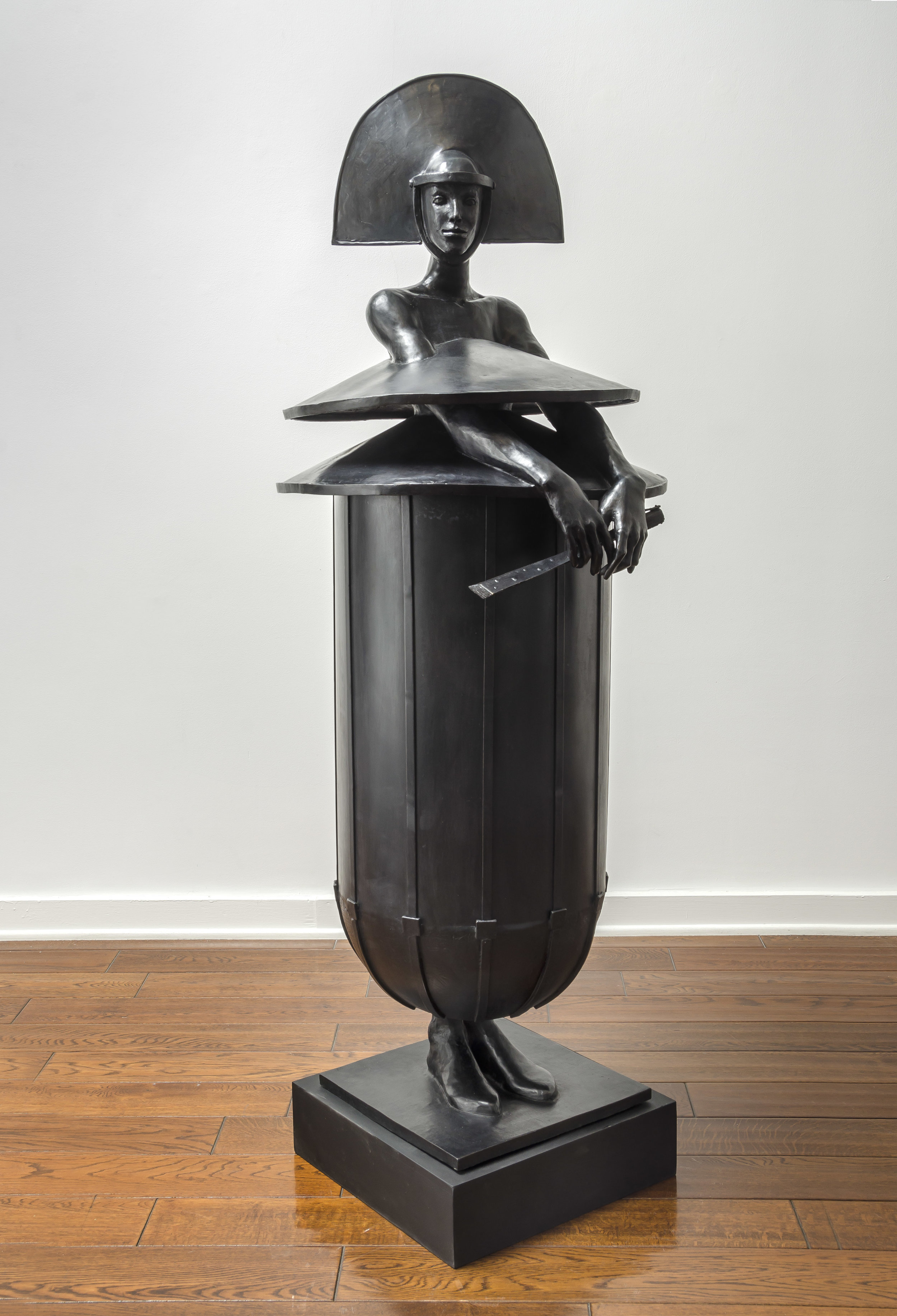 El Abanico , 2019 bronze 61 x 22 x 24 inches; 154.9 x 55.9 x 61 centimeters