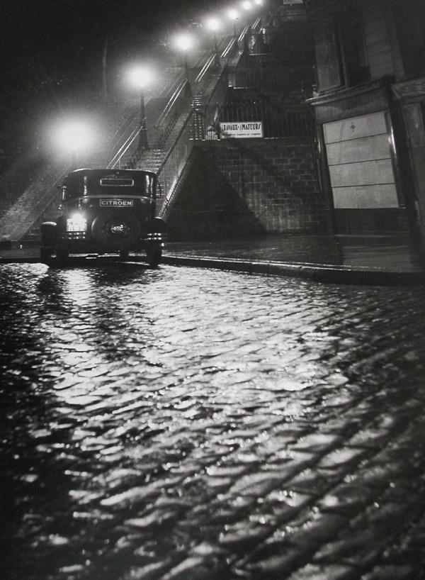 Rue Muller, Paris, 1934  silver gelatin print 20 x 16 inches; 50.8 x 40.64 centimeters
