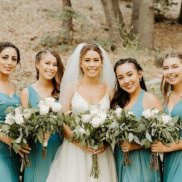 These ladies were amazing to work with. I love their faces when they seen the bride for the first time in her gown. 😍 . . .  #shesaidyes #stylemepretty #theknot #weddinginspo #weddingwire #weddingseason #wedding #beautycommunity #featuremuas #makeupandwakeup #mualife #makeuplife #bridetribe #maidofhonor #bride