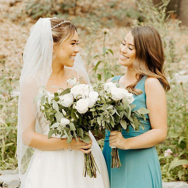 The sweetest photo of these sisters 😍👯♀️ . .  #shesaidyes #stylemepretty #theknot #weddinginspo #weddingwire #weddingseason #wedding #beautycommunity #featuremuas #makeupandwakeup #mualife #makeuplife #bridetribe #maidofhonor #bride