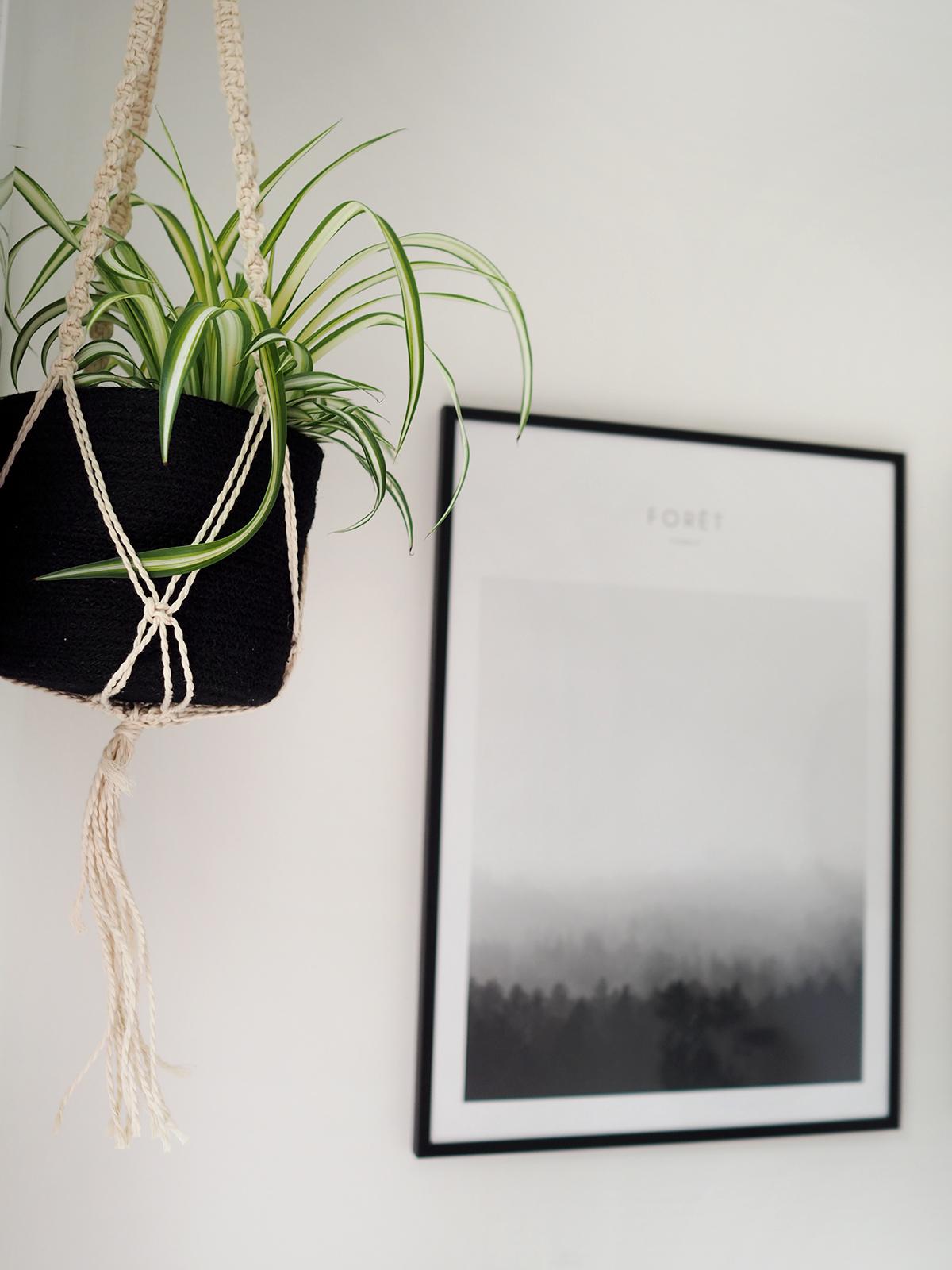 monochrome hanging planter  -Maison du Monde
