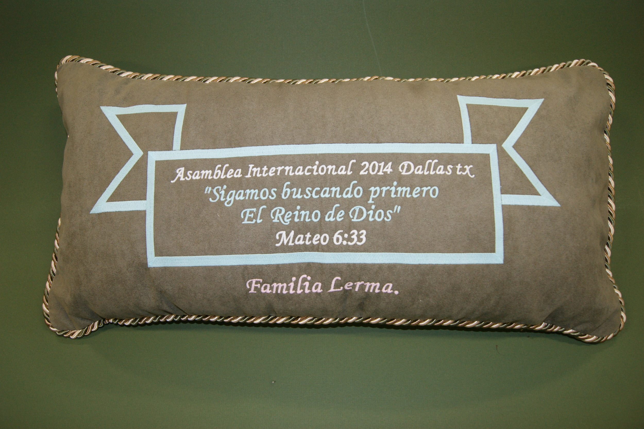 DECO PILLOW PERSONALIZED., ADD YOVORITE SCRIPTURE FROM ANY BIBLE.