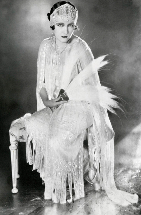 vintage-wedding-dress-gloria-swanson-1921.jpg