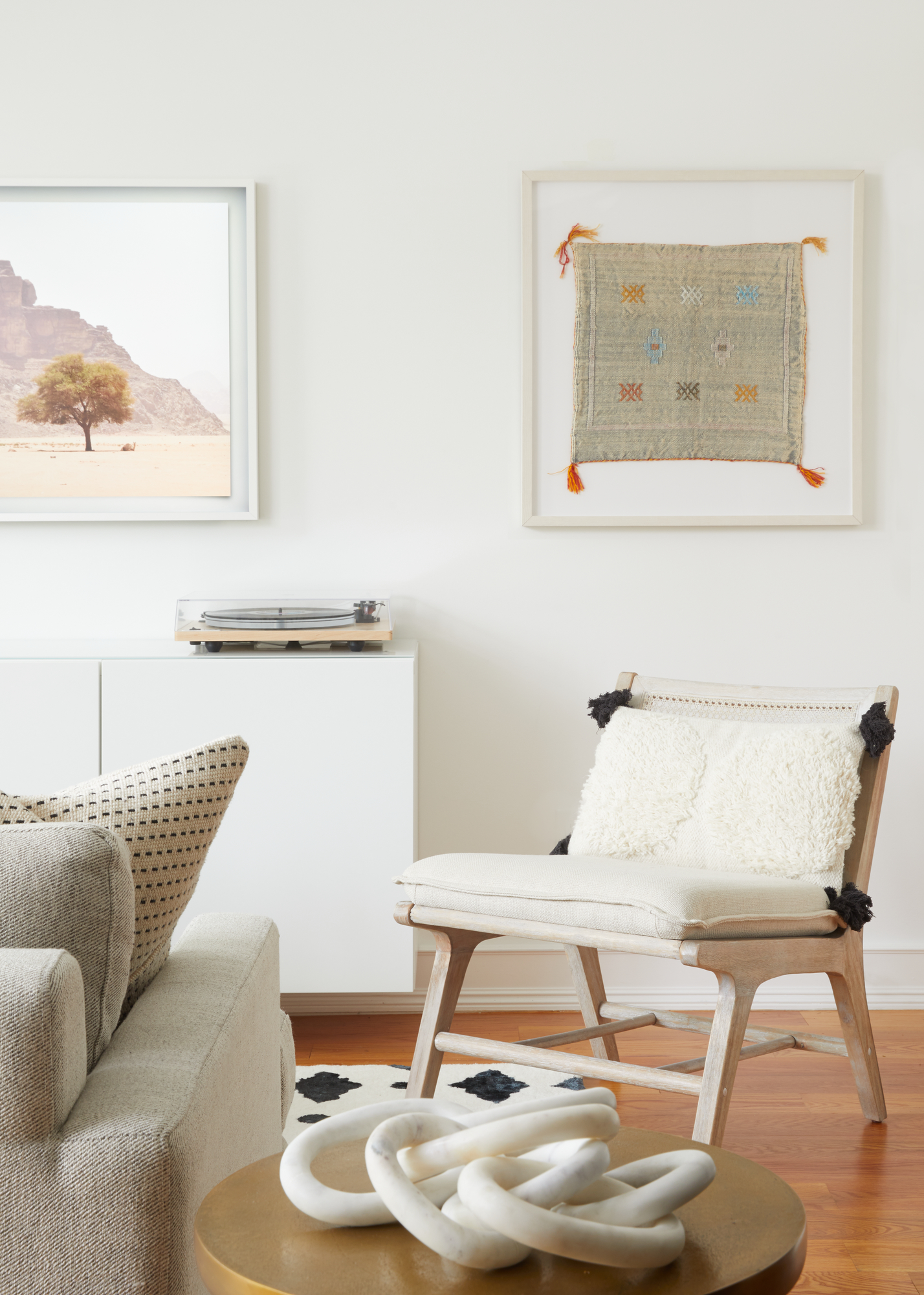 Living_Room_Chair.jpg