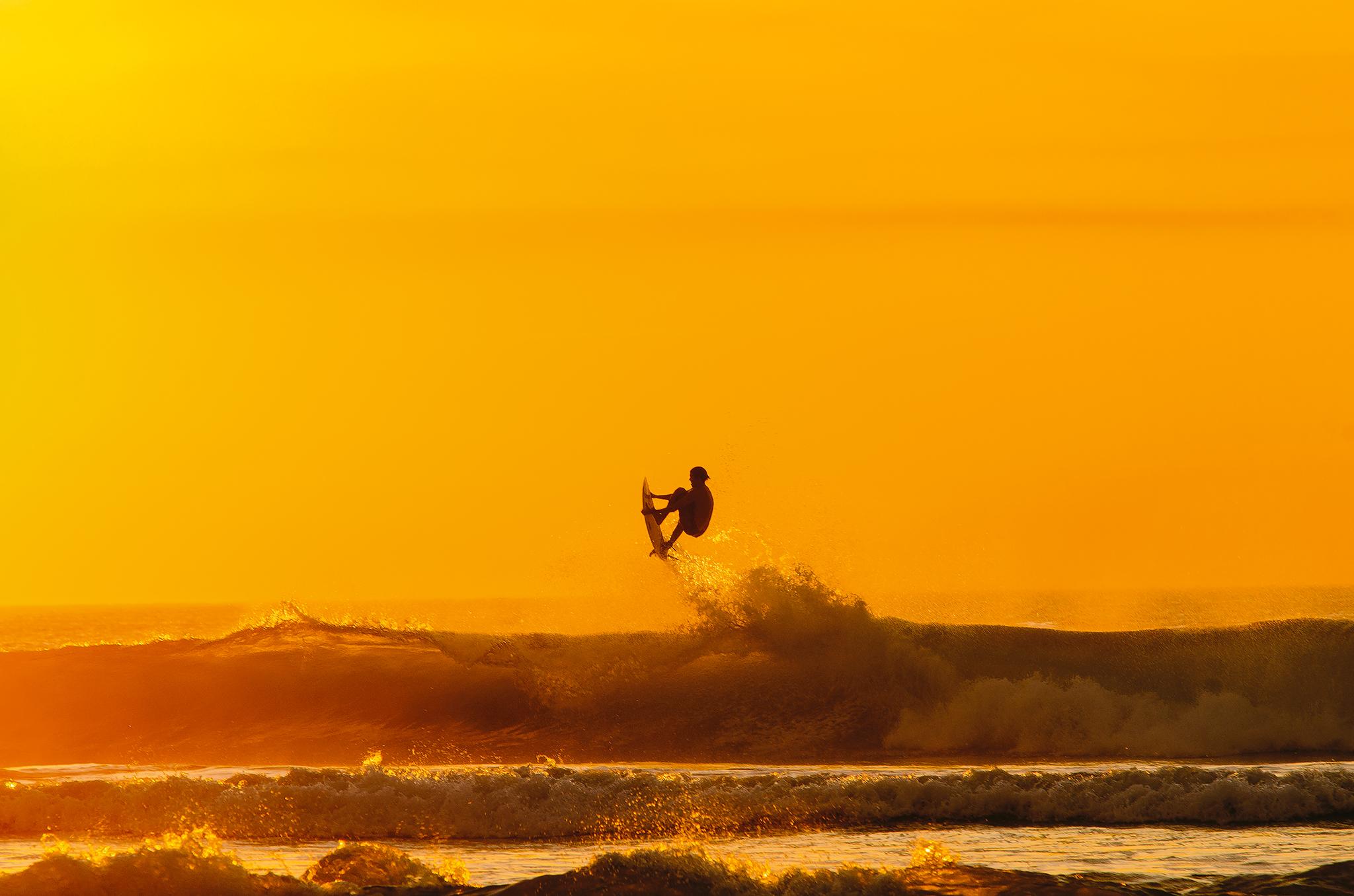 01 Sunset surfer Biarritz.jpg