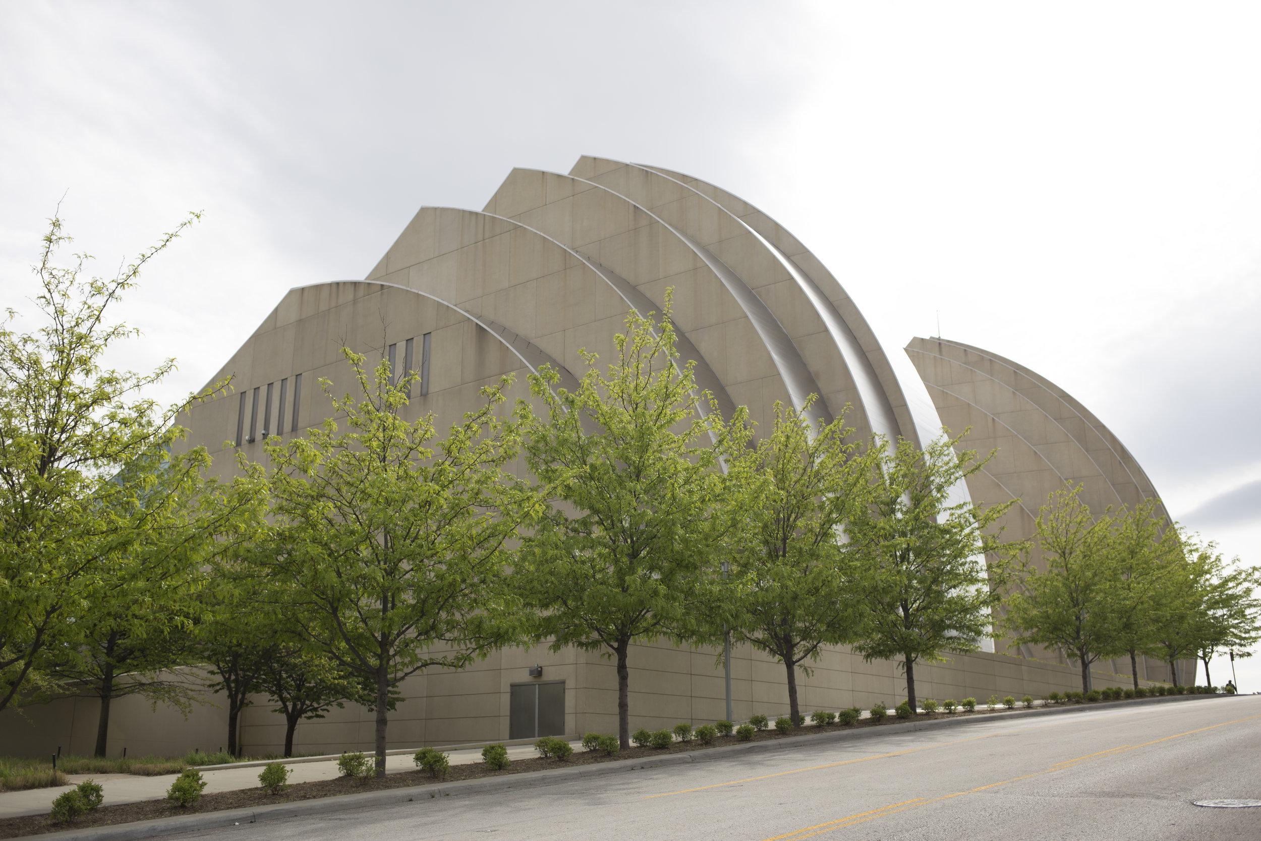 Kauffman Center for Performing Arts, Kansas City Crossroads