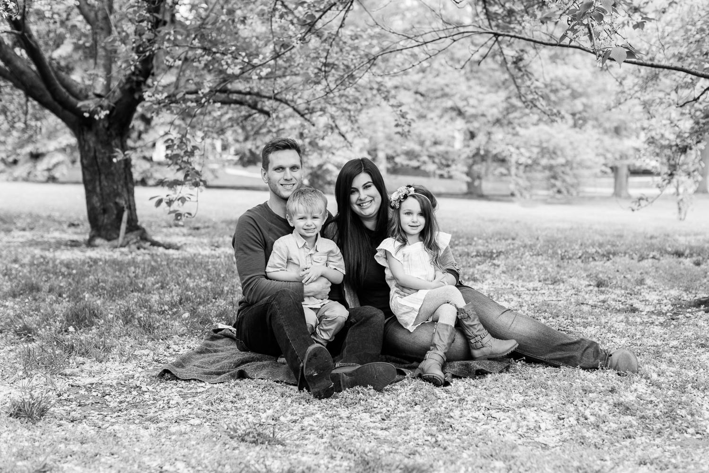 kansas city loose park family photos-9.jpg