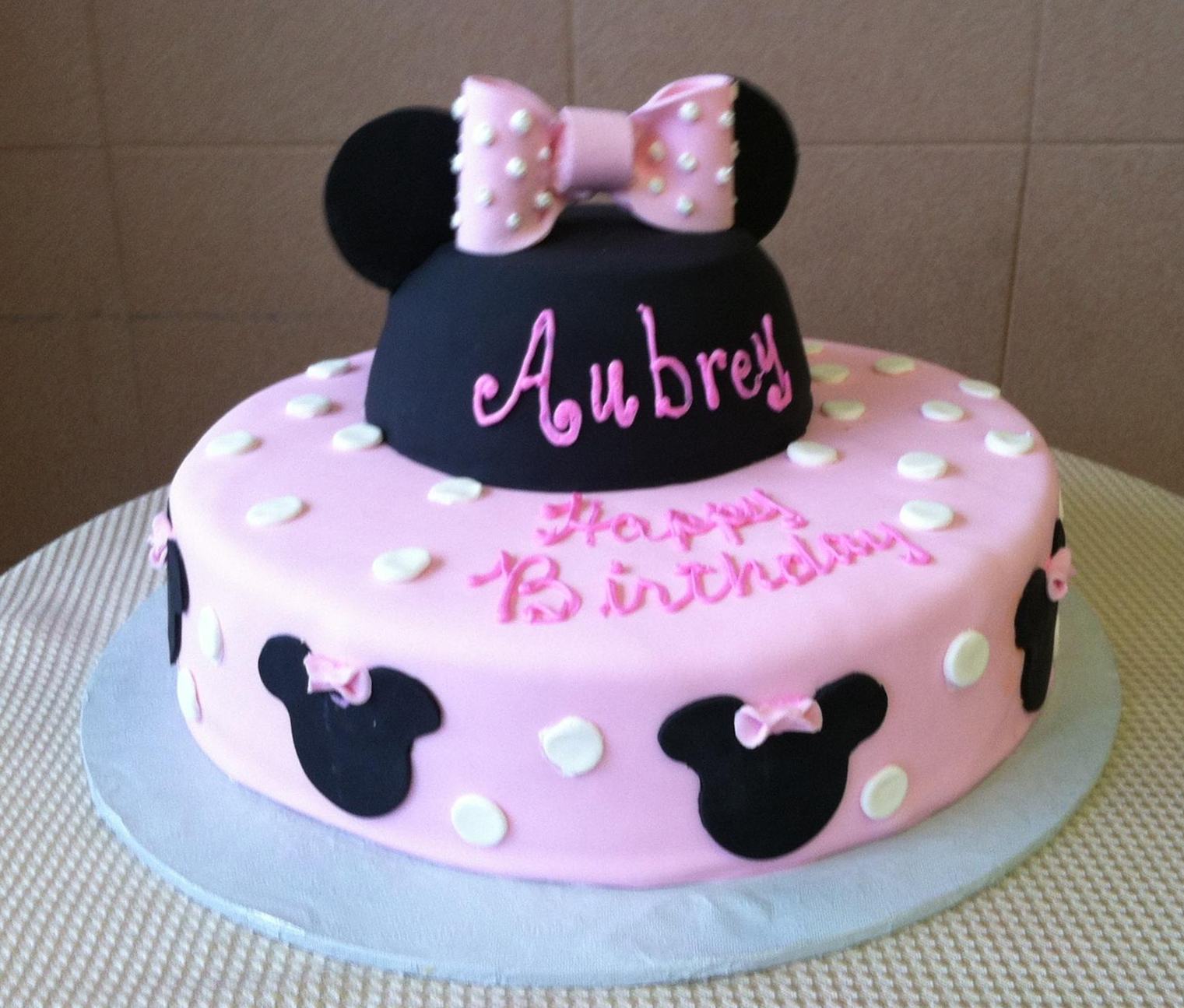 Minnie w.full head.bow. Single Tier