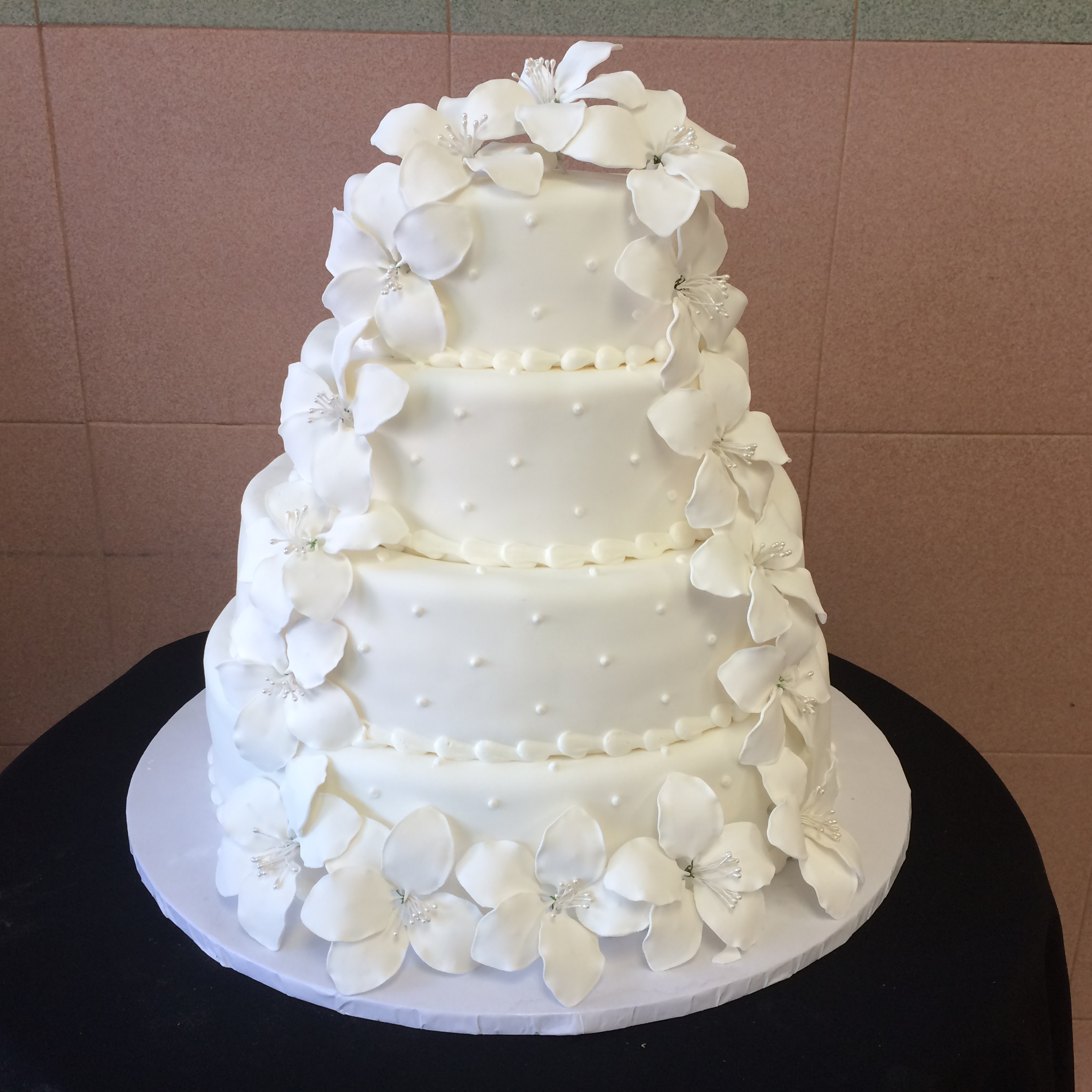 47 in White Rolled Fondant