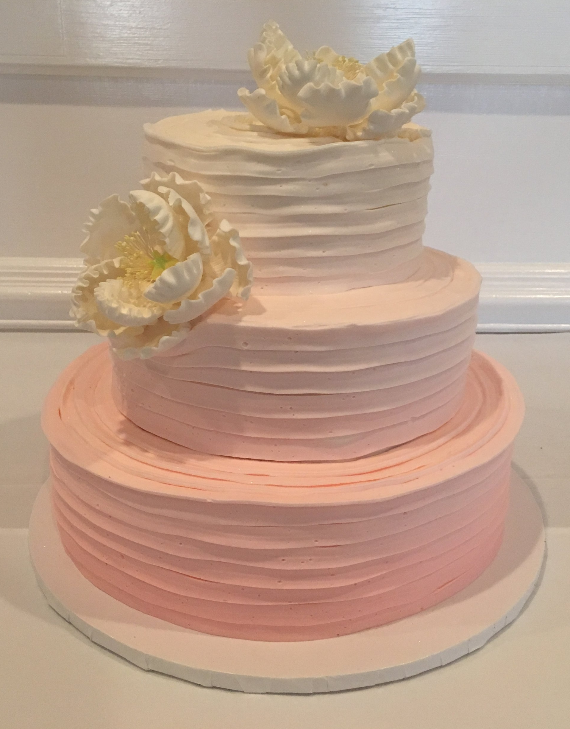 Ribboned Butter Cream, Ombre from Pink to White