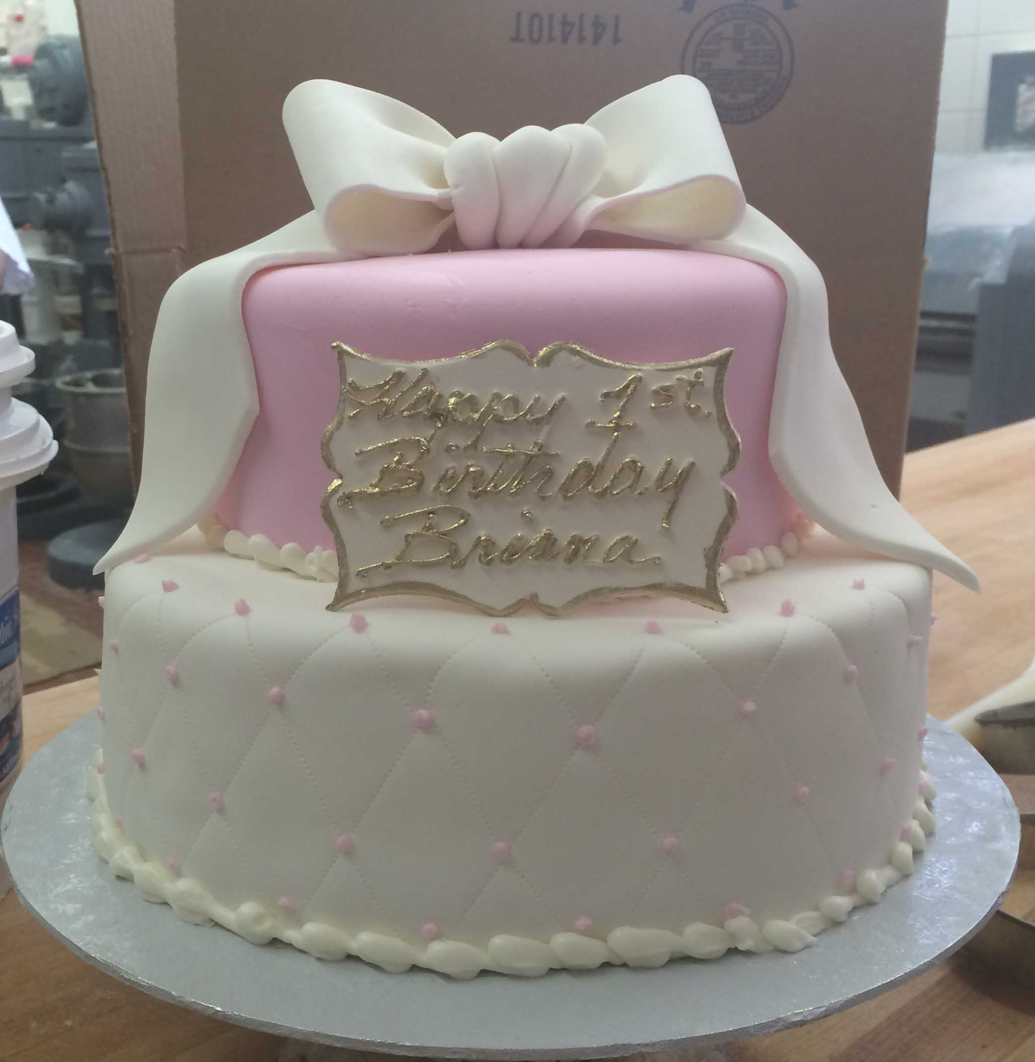 White Rolled Fondant Quilted with Pink. Medium Pink Rolled Fondant. White Fondant Bow.jpg