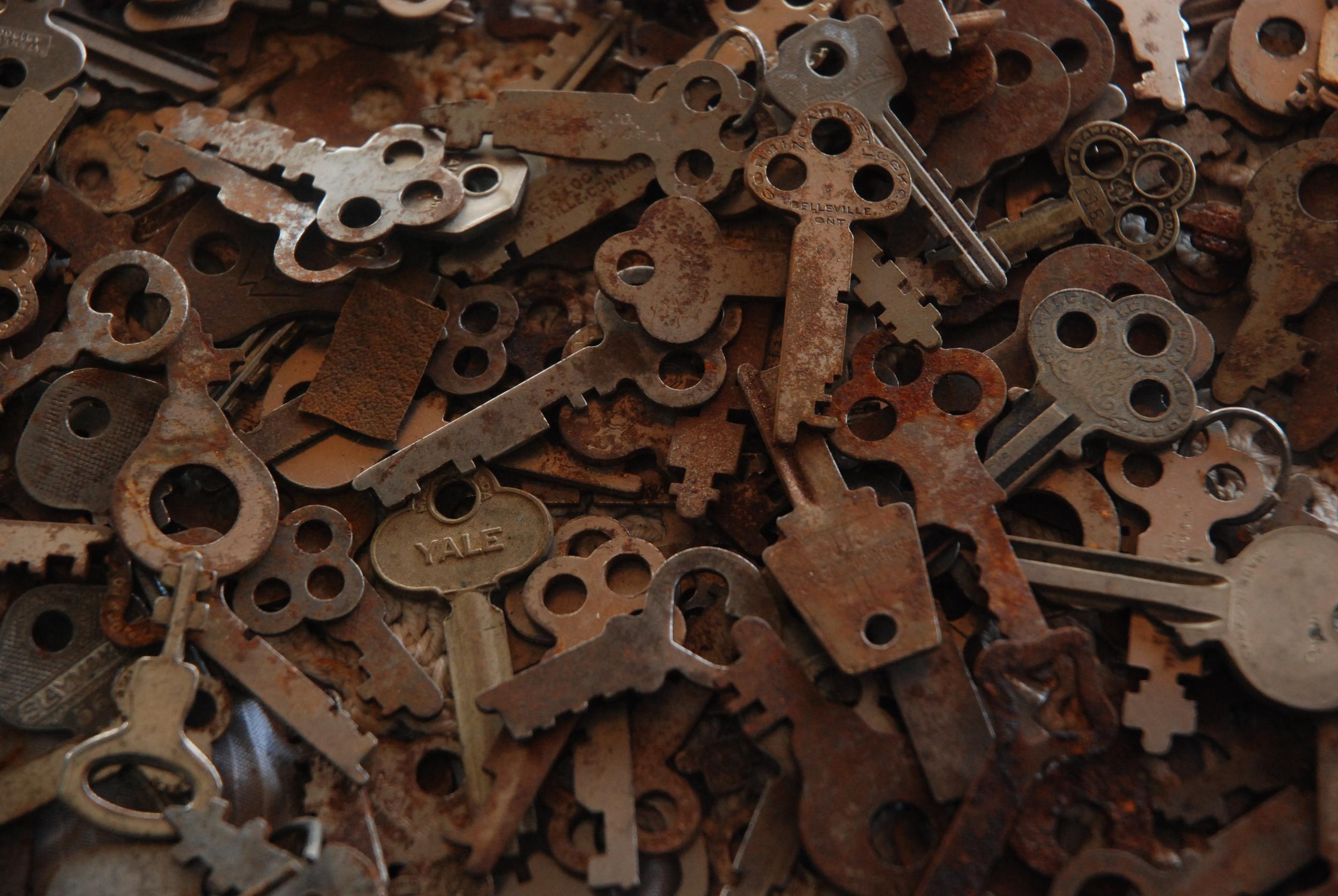 Beholder Images_Antique Market_1169.JPG