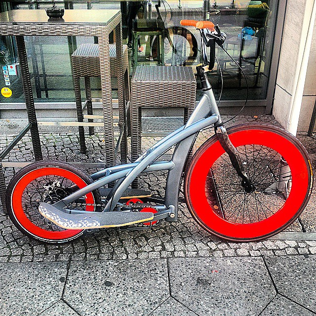 weekend was productive and I was fortunate to have some instagram tips.. Here goes with an archive beauty in Sunny Berlin #Freestep#handmade#Bespoke#Limitededition#Futureproof#Health#Intelligentmotion#Thisisnotabike#continentaltyres#luxury#posturecorrection#lewisbhamilton