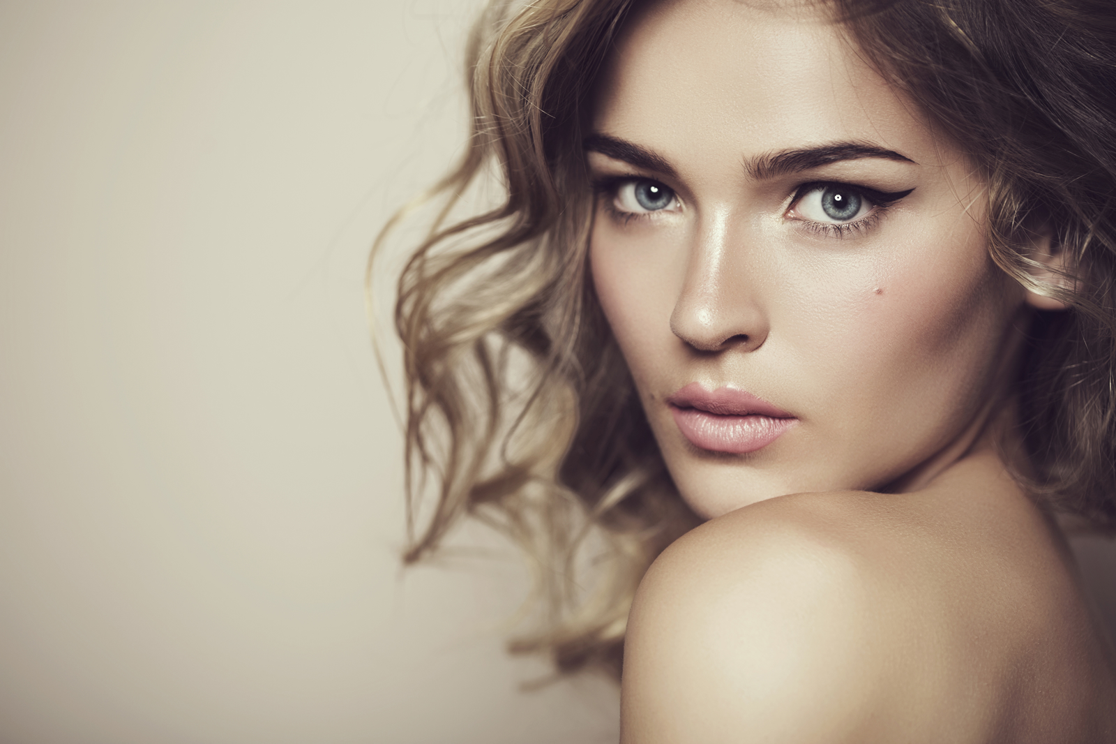 Luxe Professional Hair Makeup