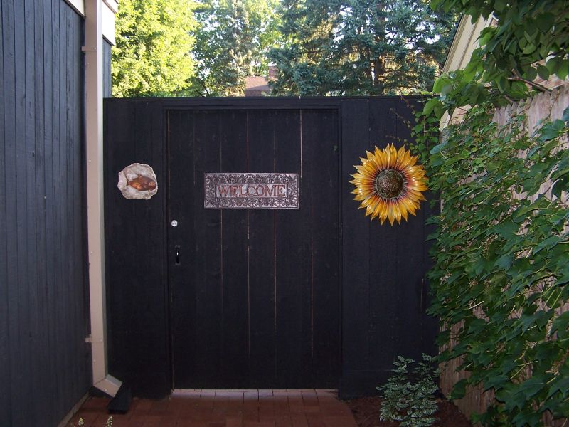 welcome gate.jpg