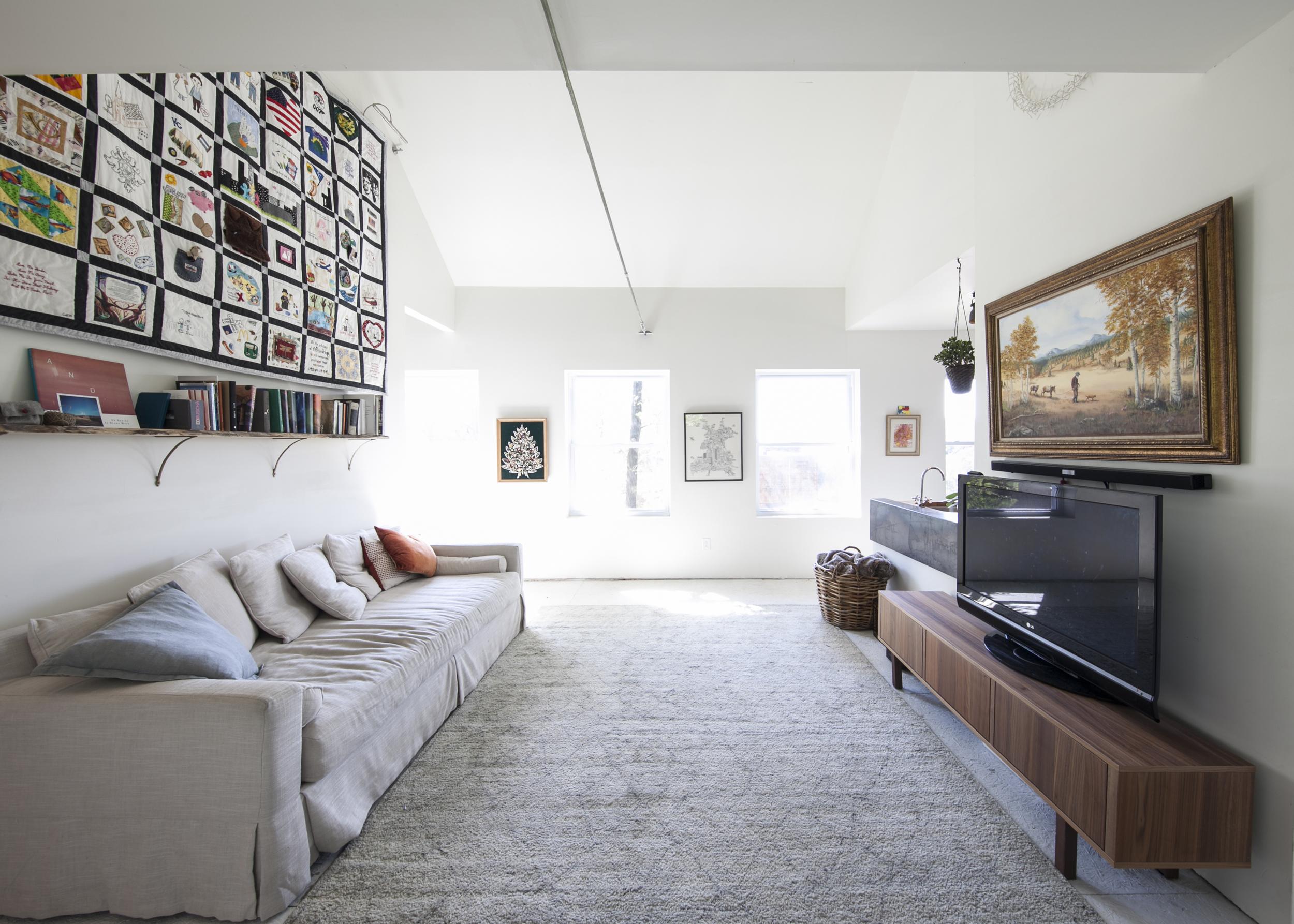 Living Room 04.jpg