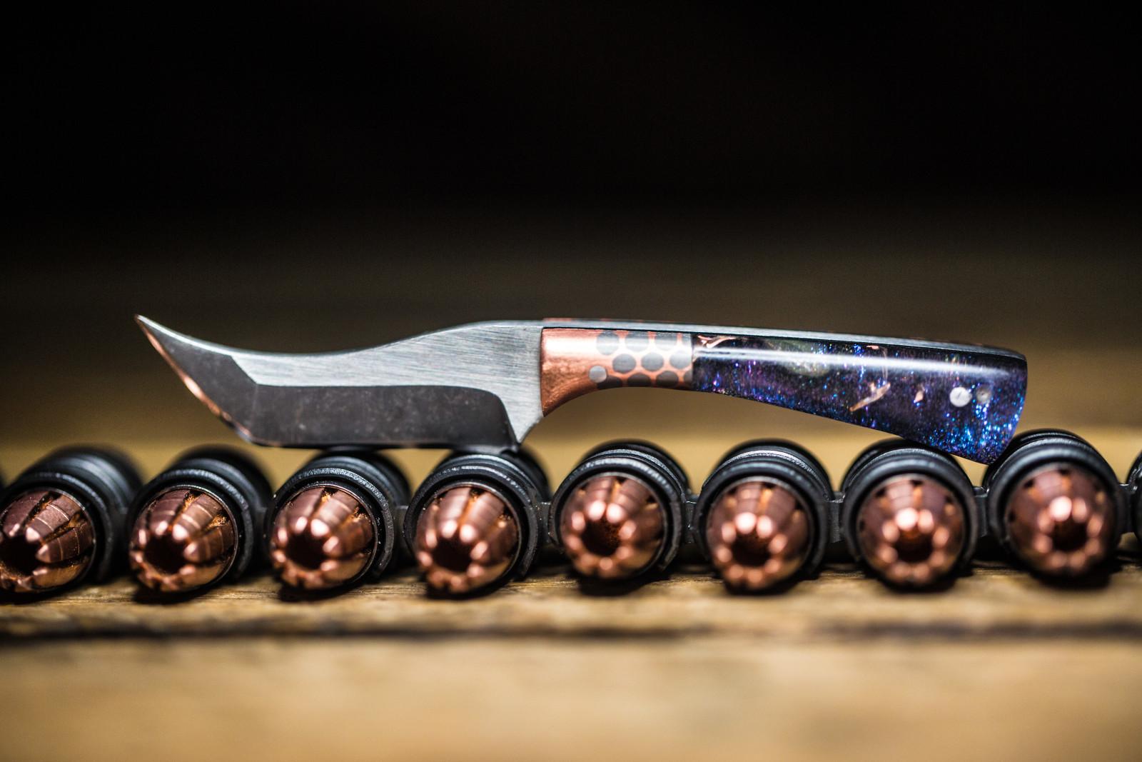 knifetographymini3.jpg