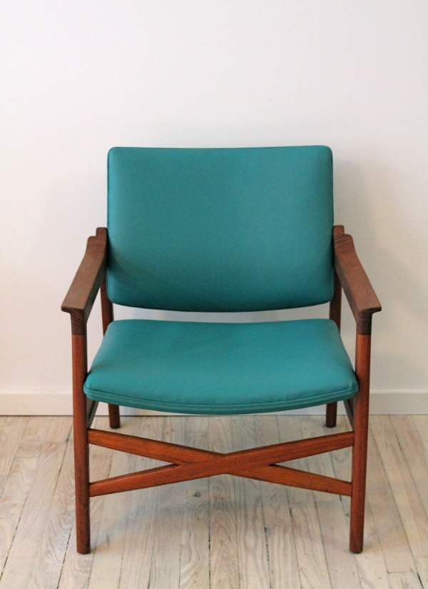 danish lounge chair2.jpg