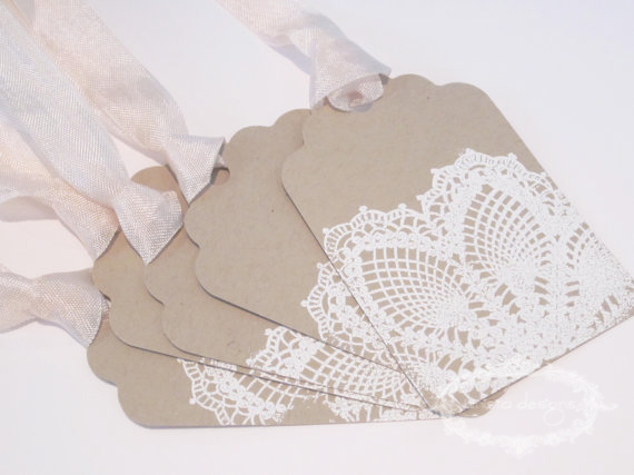 Lace-pressed favour tags
